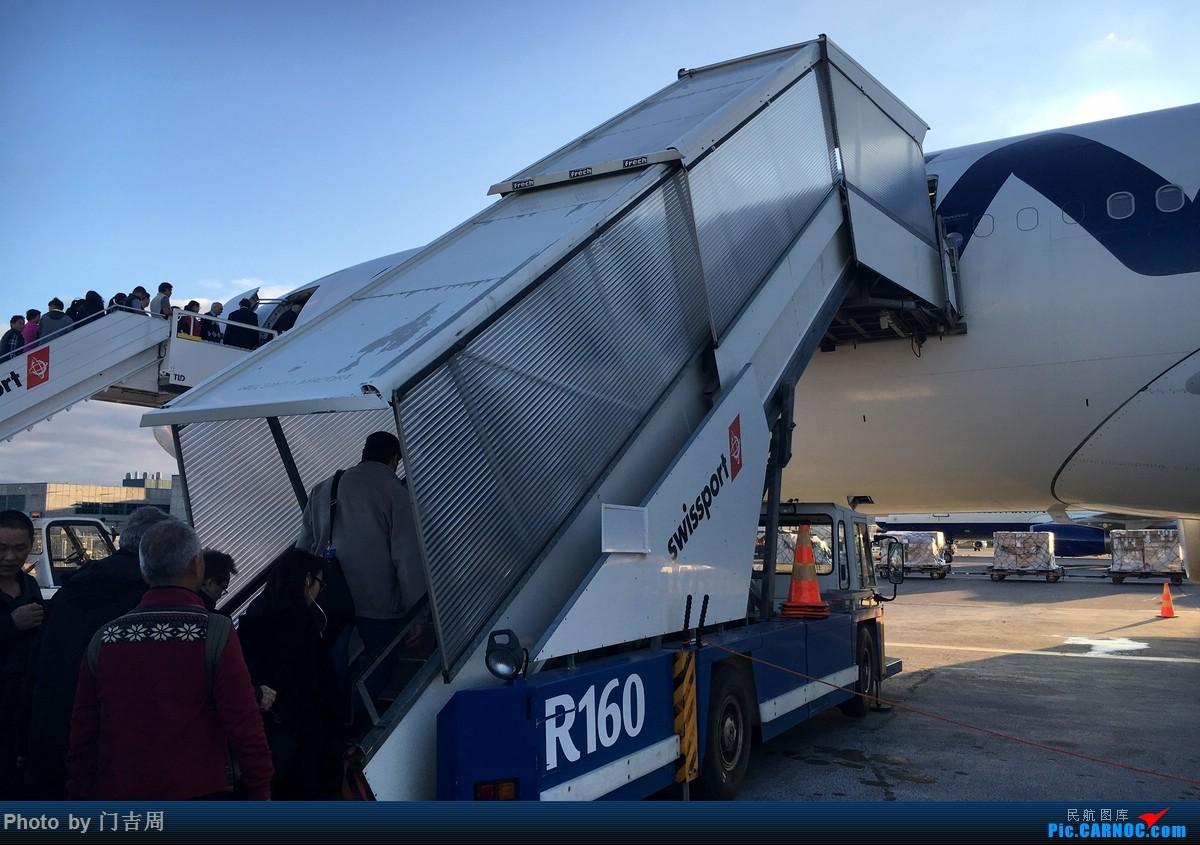 Re:[原创]在蓝与白之上、山与海之间(下)雅典机场罢工后的一路窜访 JTR - ATH - CPH - TXL - HEL - CKG AIRBUS A330-300