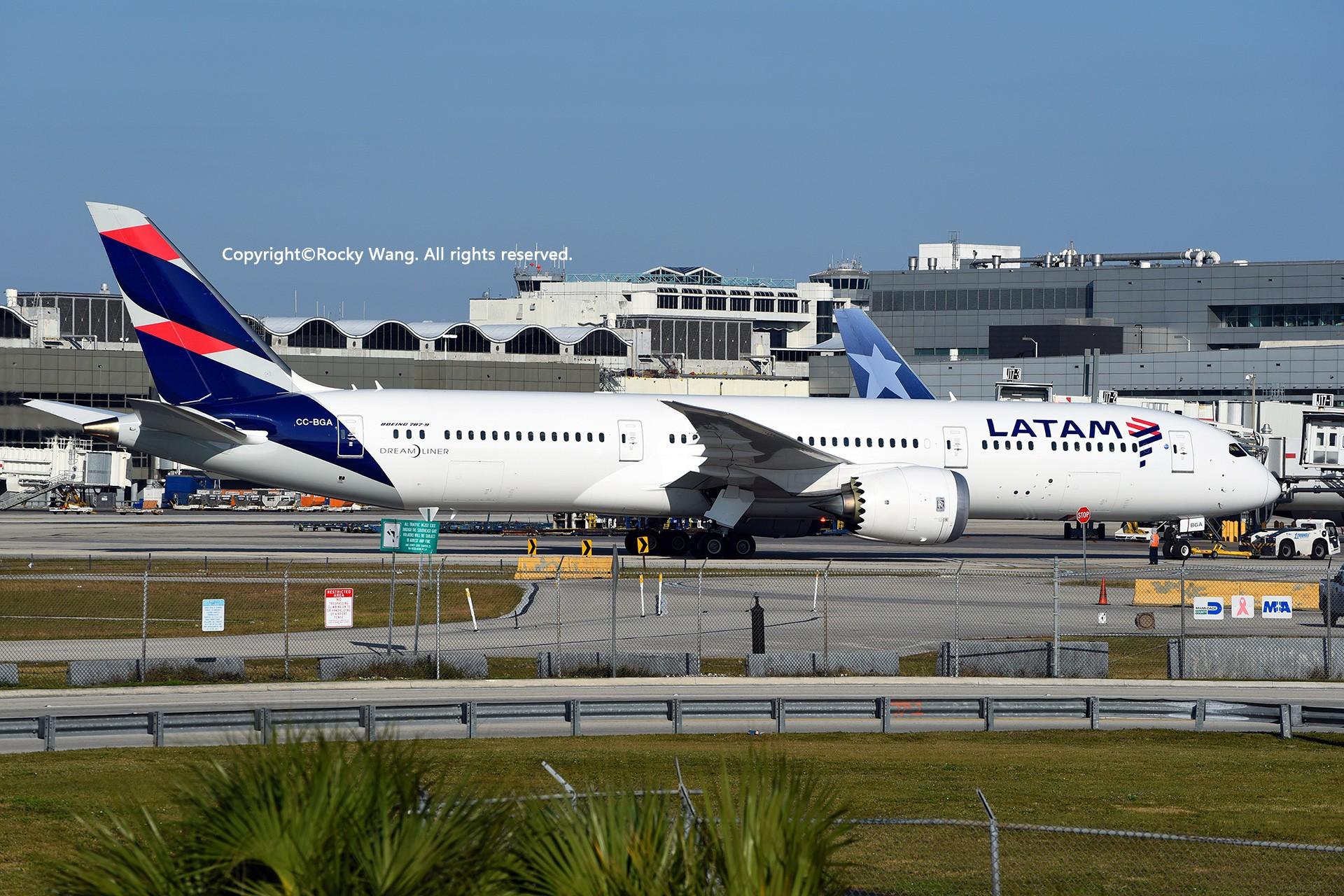Re:[原创]KMIA 30图 BOEING 787-9 DREAMLINER CC-BGA Miami Int'l Airport