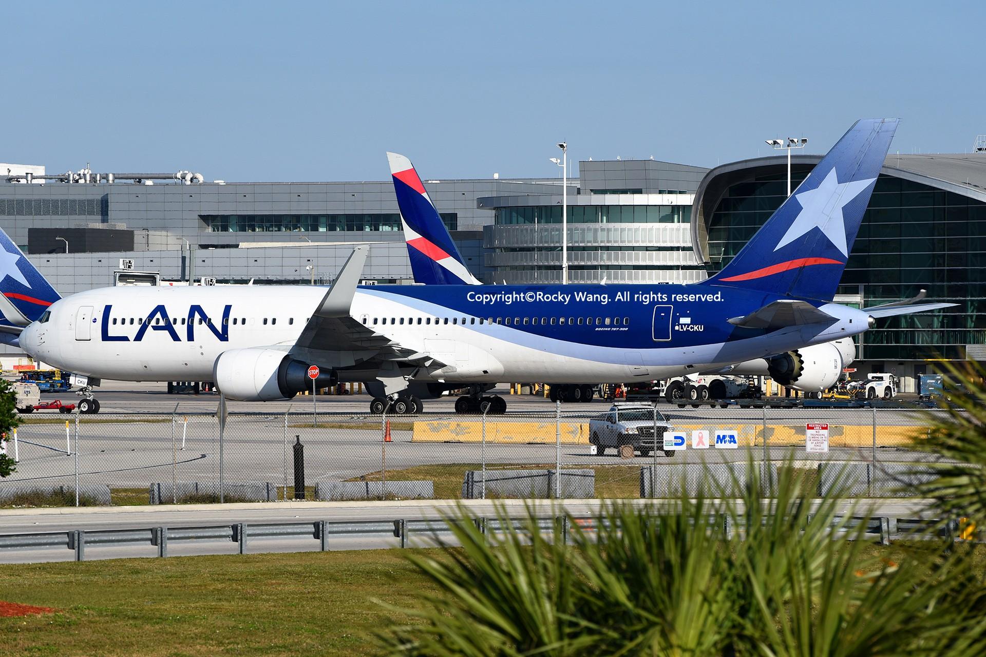 Re:[原创]KMIA 30图 BOEING 767-316(ER) LV-CKU Miami Int'l Airport