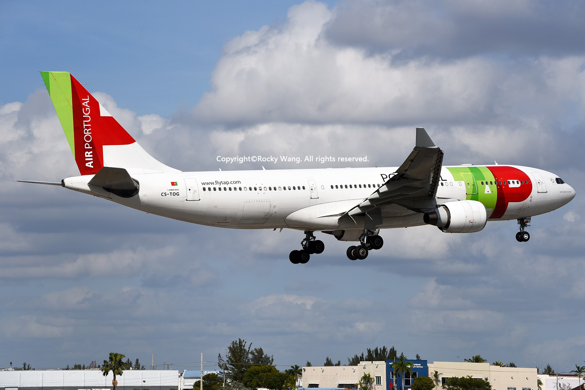 Re:[原创]KMIA 30图 AIRBUS A330-223 CS-TOG Miami Int'l Airport