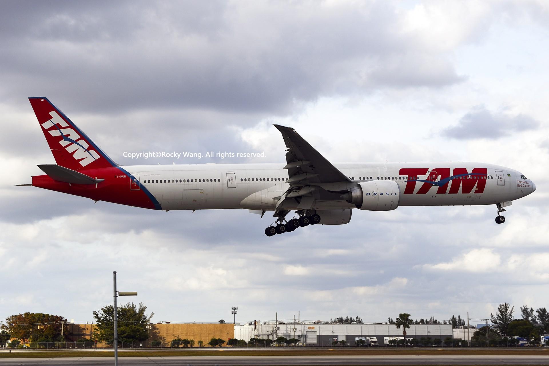 Re:[原创]KMIA 30图 BOEING 777-32WER PT-MUB Miami Int'l Airport