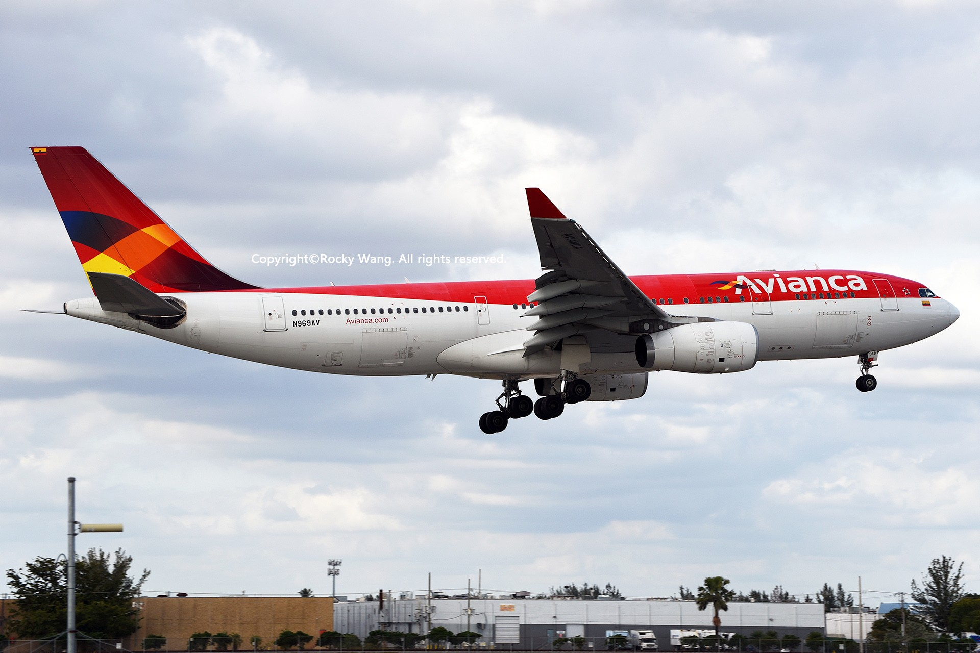 Re:[原创]KMIA 30图 AIRBUS A330-243 N969AV Miami Int'l Airport