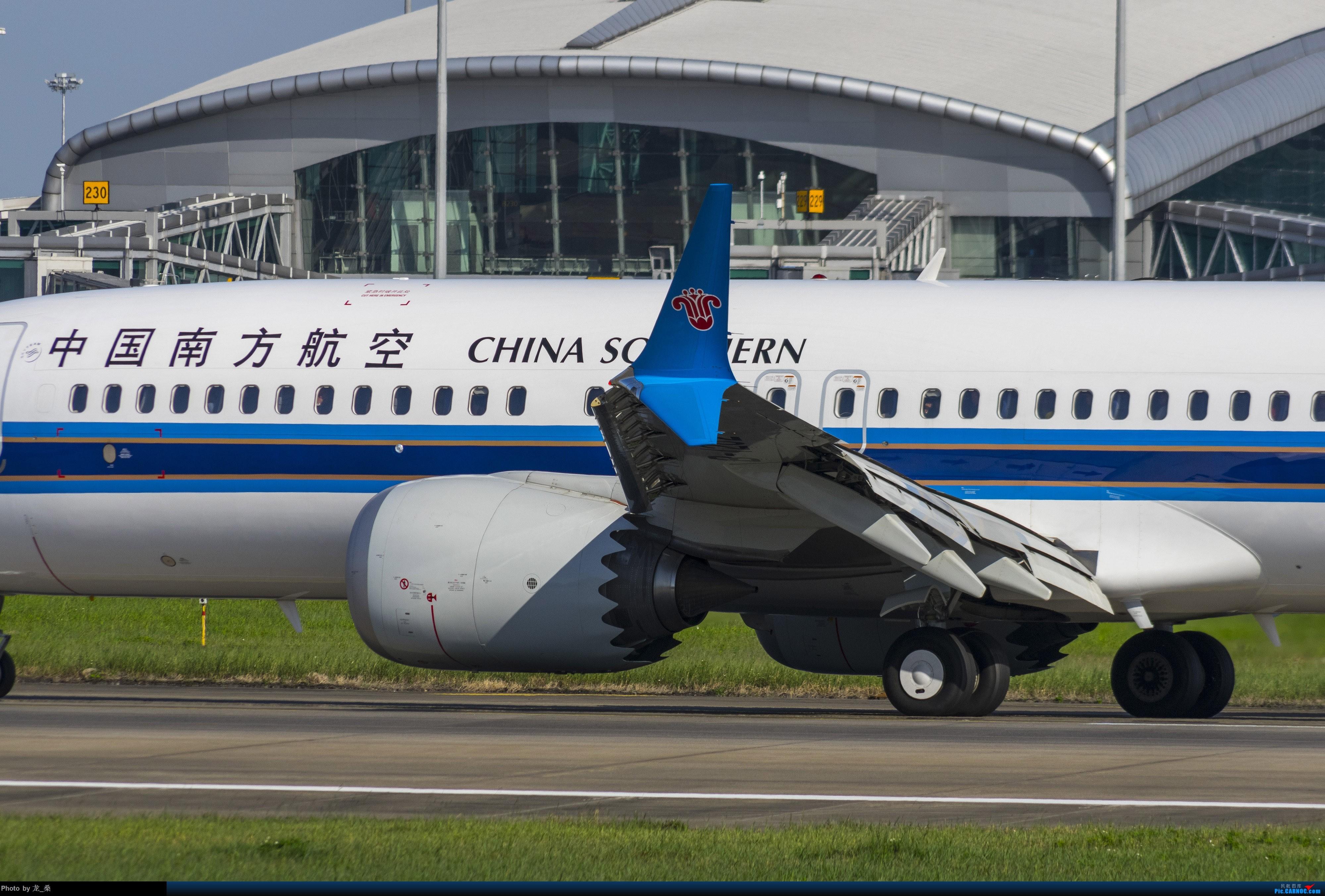 Re:[原创]发一组CAN的旧图,我可能是论坛唯一宾得党了吧 BOEING 737MAX-8 B-1202 中国广州白云国际机场