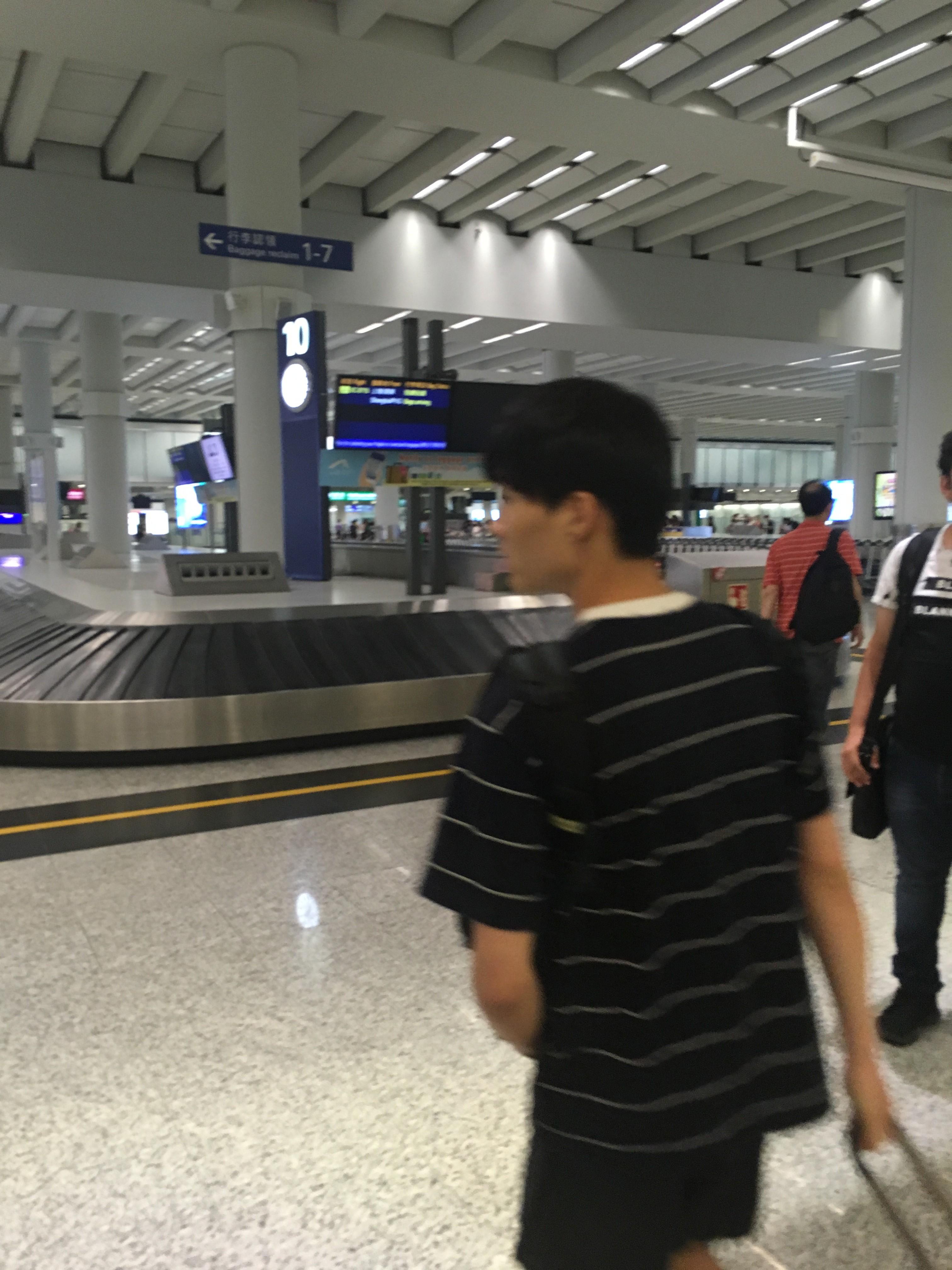 Re:[原创]~骚年飞行篇~补充半年前的CA111:PEK-HKG,有幸坐到大擦第50架A330!    中国香港国际机场