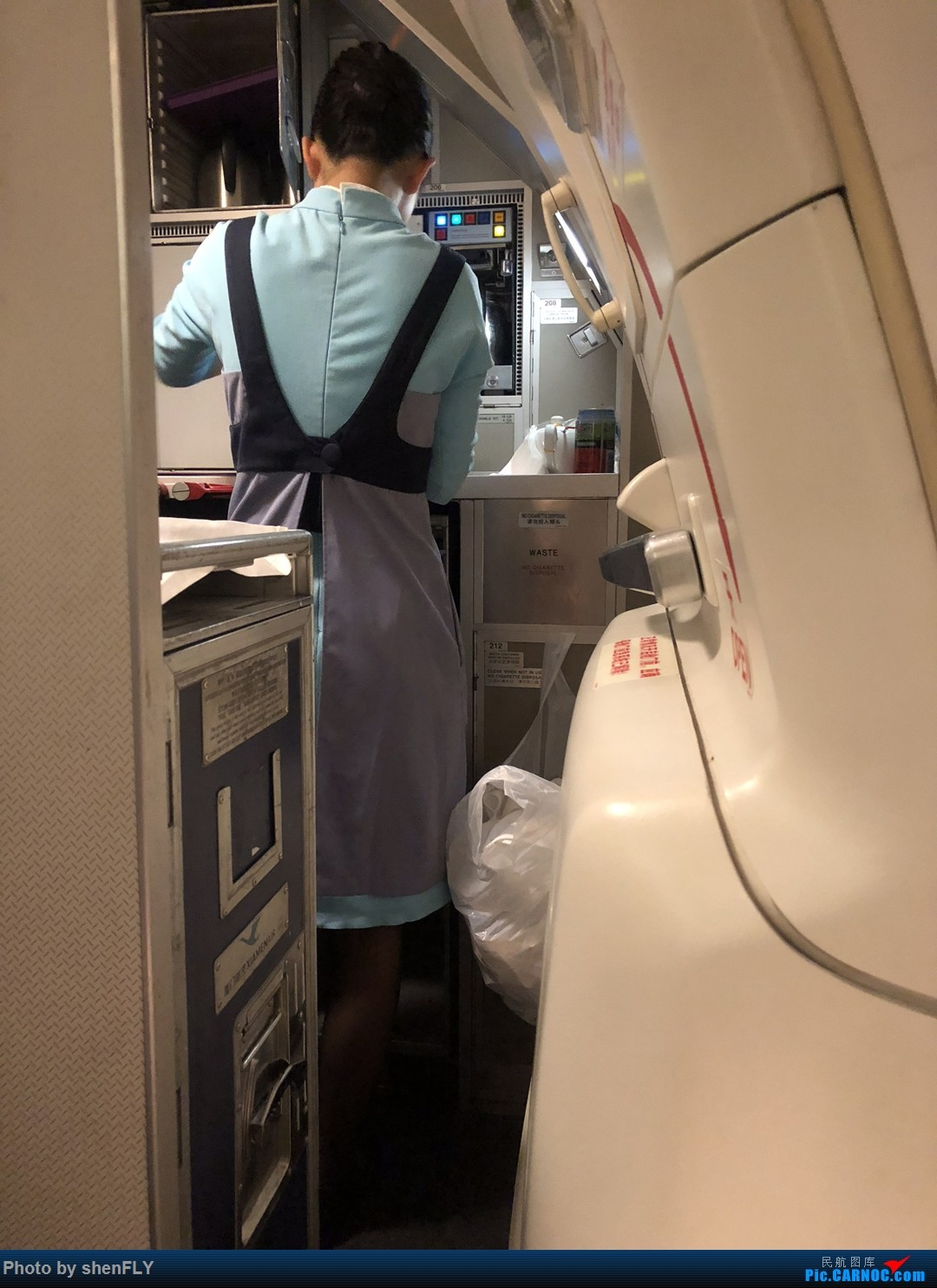Re:[原创]伴随夕阳起飞,回忆最后一次搭乘厦航757飞行 BOEING 757-200 B-2866 空中