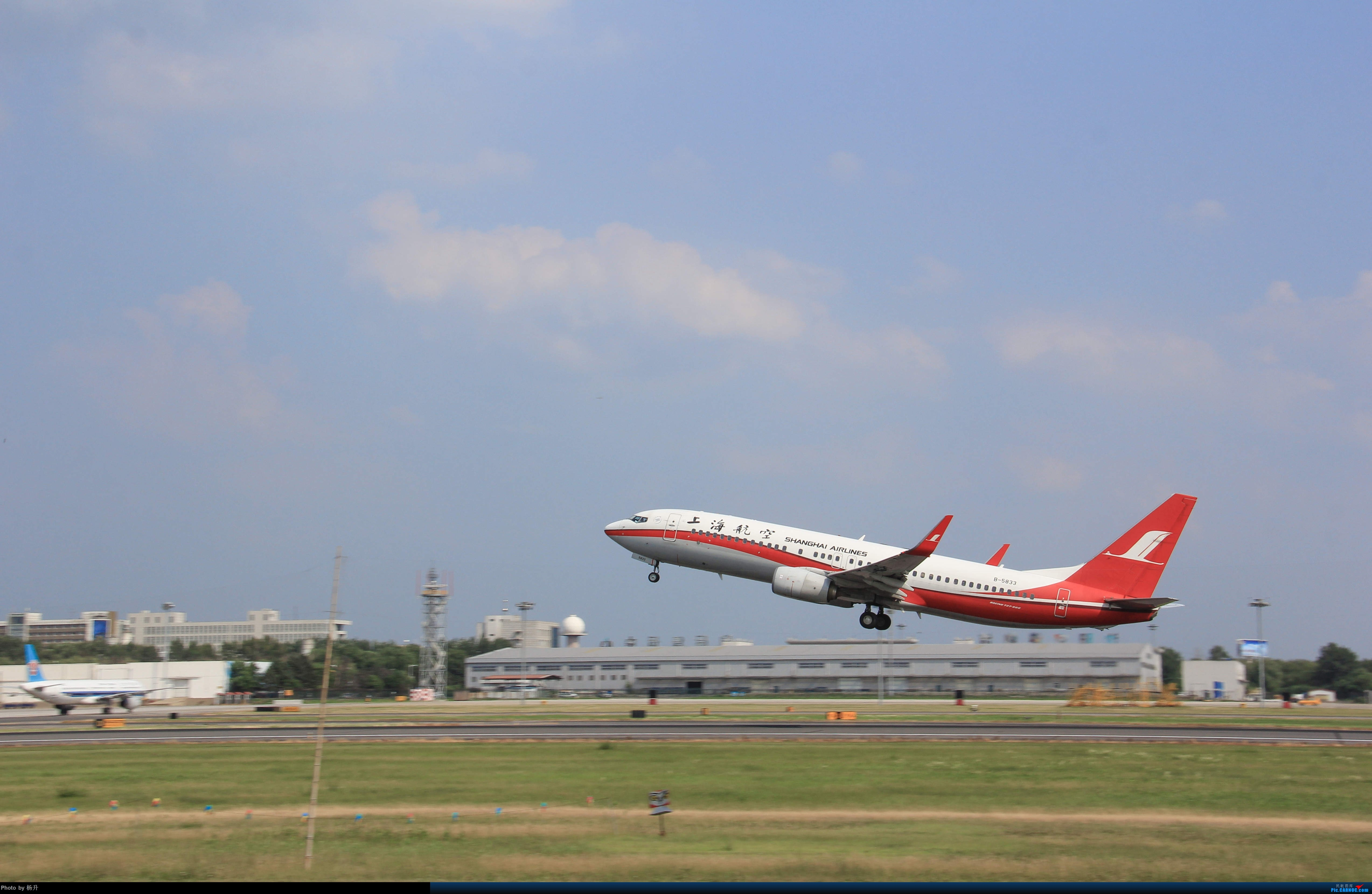 Re:[原创]【SHE】沈阳桃仙国际机场拍机 BOEING 737-800 B-5833 中国沈阳桃仙国际机场
