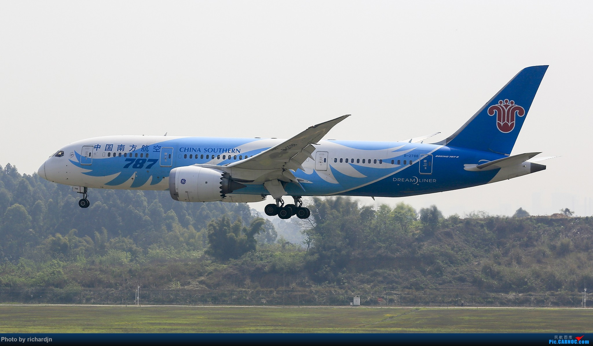 Re:[原创]清明节ZUUU喜撸宽体~ BOEING 787-8 B-2788 中国成都双流国际机场