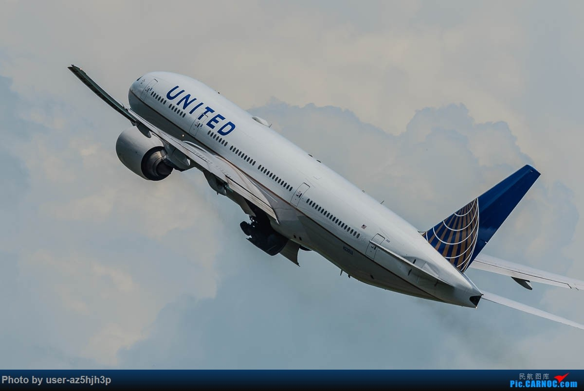 Re:[原创]飞向蓝天 BOEING 777-200 N220UA 香港国际机场