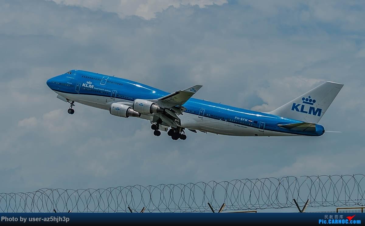 Re:[原创]飞向蓝天 BOEING 747-400 PH-BFW 香港国际机场