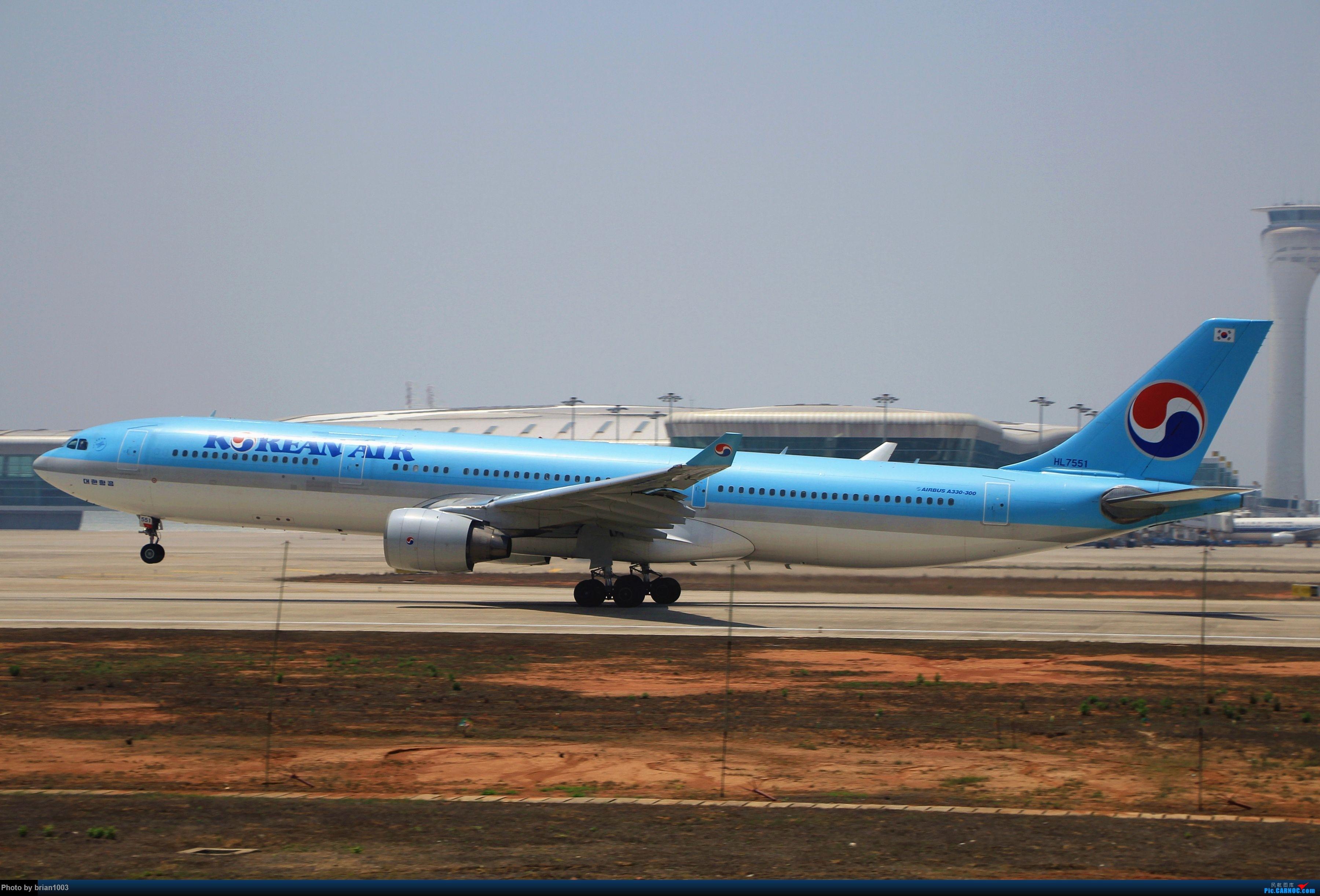 Re:[原创]WUH武汉天河机场拍机之喜迎酷航788和偶遇某其他飞机 AIRBUS A330-300 HL7551