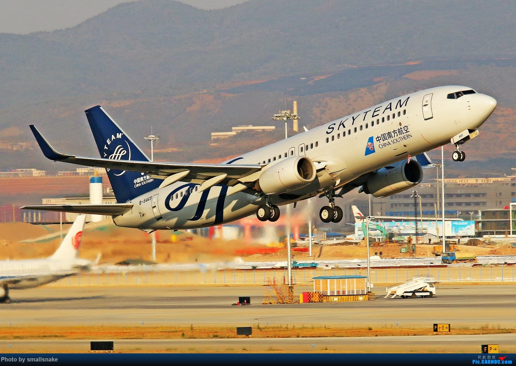 Re:[原创]KMG打卡... BOEING 737-800 B-5469 昆明长水国际机场