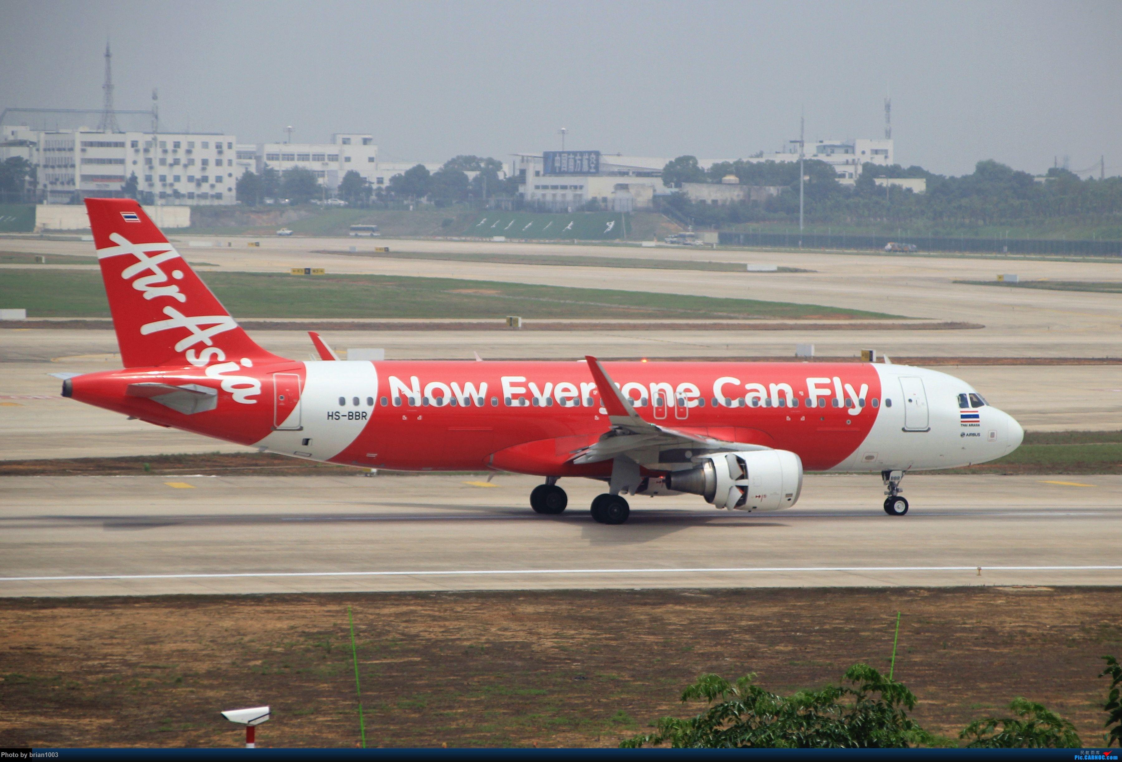 [原创]WUH武汉天河机场拍机之二跑最后忙碌时 AIRBUS A320 HS-BBR 中国武汉天河国际机场