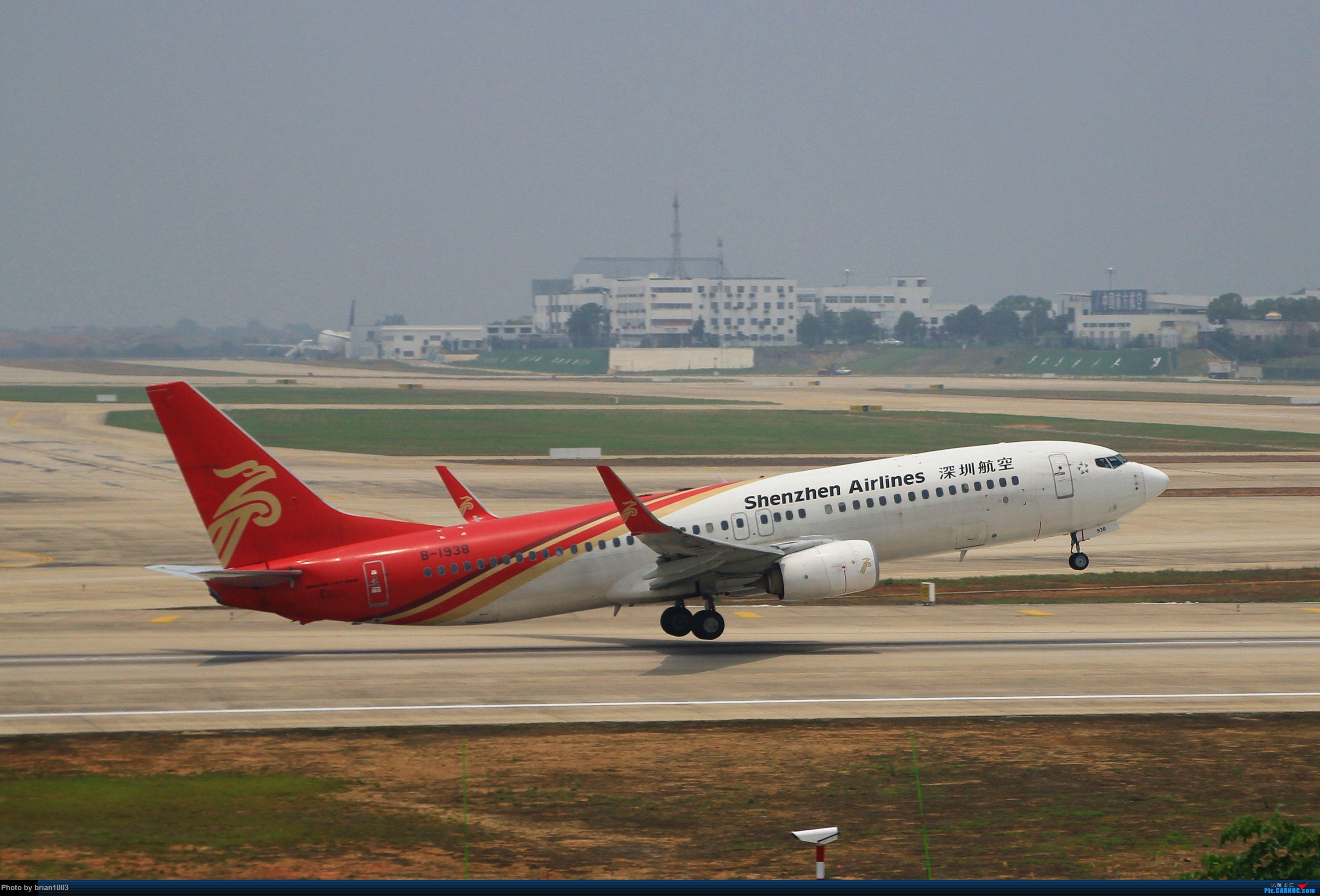Re:[原创]WUH武汉天河机场拍机之二跑最后忙碌时 BOEING 737-800 B-1938 中国武汉天河国际机场