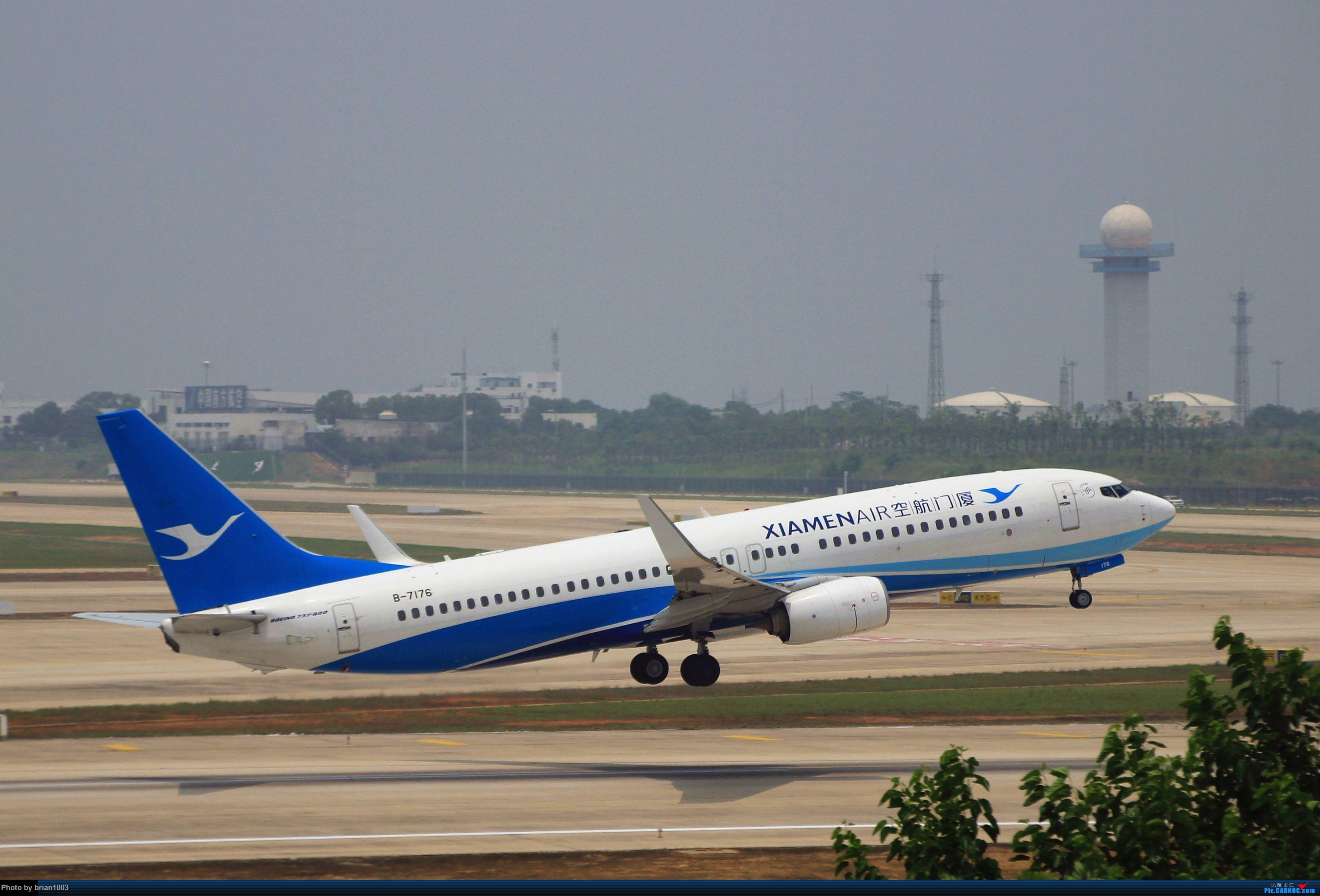 Re:[原创]WUH武汉天河机场拍机之二跑最后忙碌时 BOEING 737-800 B-7176 中国武汉天河国际机场