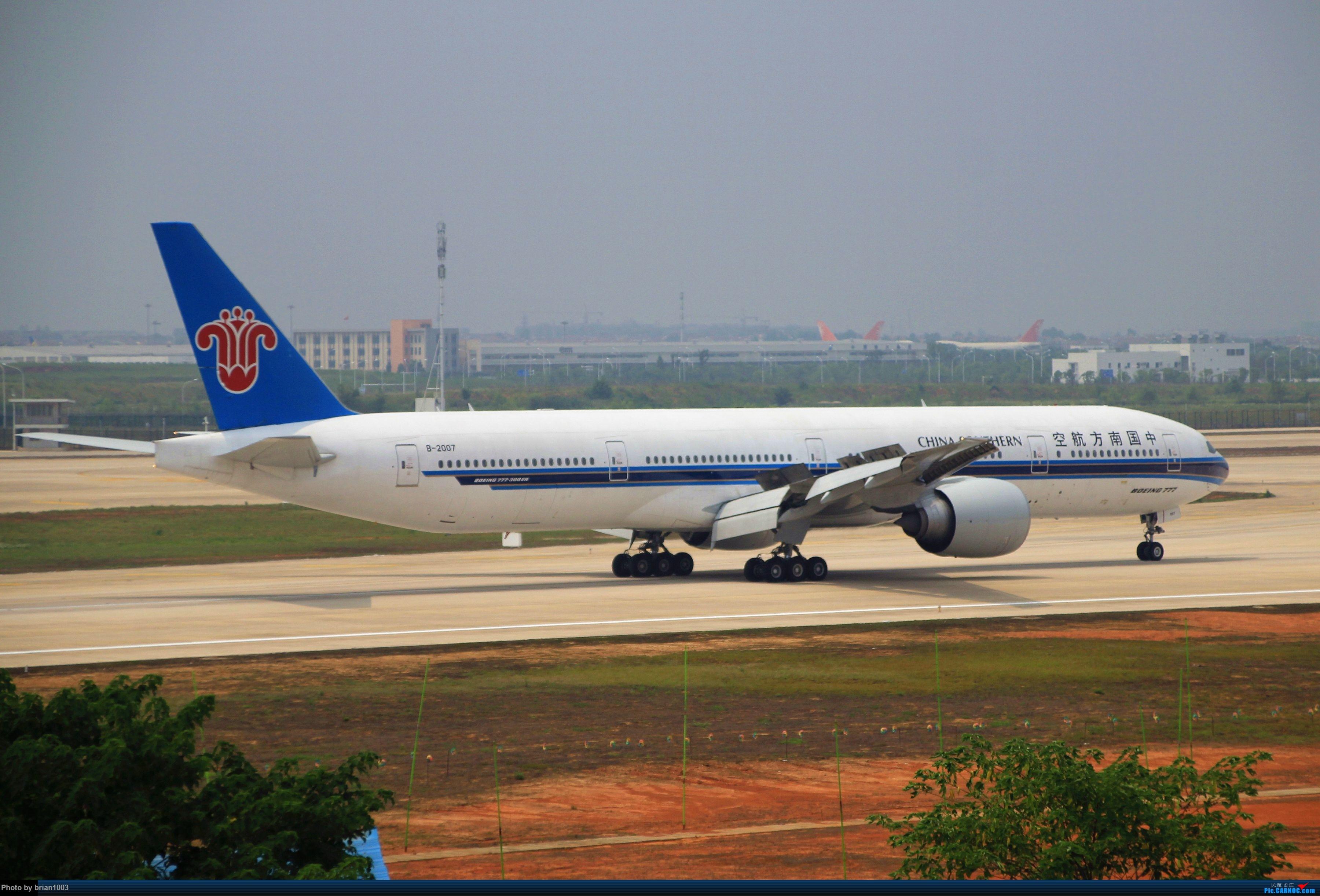 Re:[原创]WUH武汉天河机场拍机之二跑最后忙碌时 BOEING 777-300ER B-2007 中国武汉天河国际机场
