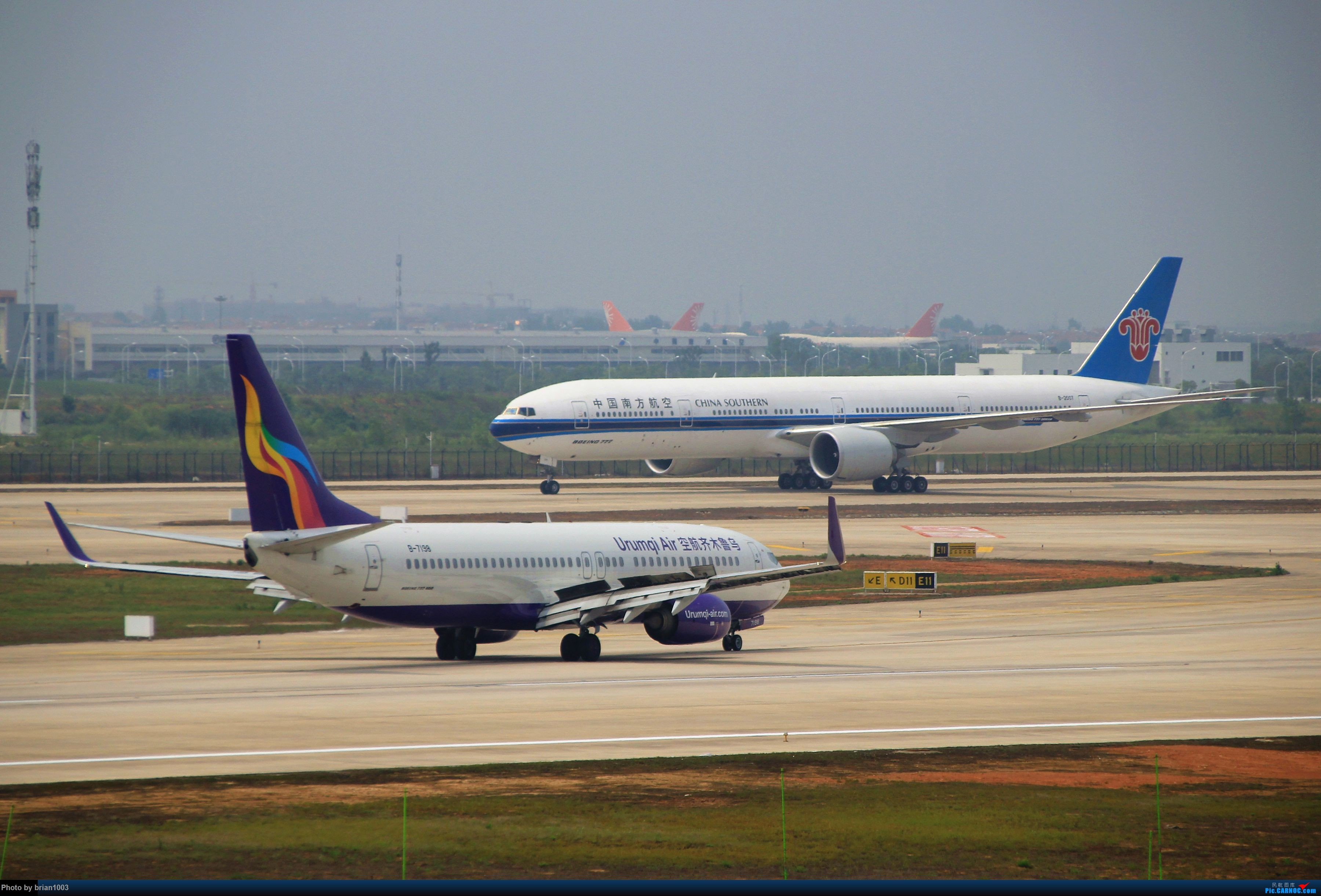 Re:[原创]WUH武汉天河机场拍机之二跑最后忙碌时 BOEING 737-800 B-7198 中国武汉天河国际机场