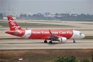 WUH武汉天河机场拍机之二跑最后忙碌时