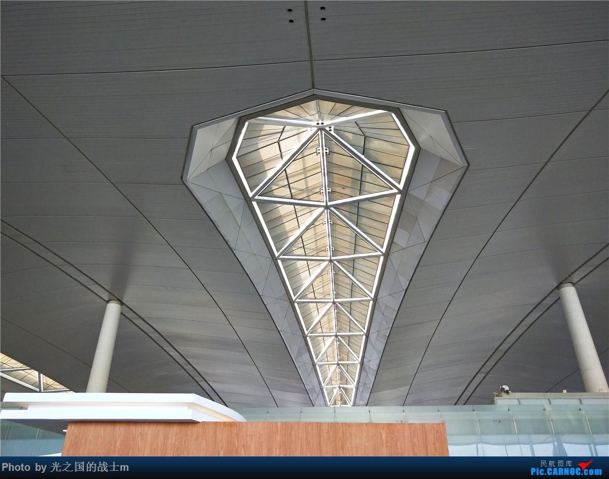 Re:[原创]【光之国m游记】NKG-KMG,乘坐东航33E商务舱回昆,完美的飞行体验和令人沉醉的云海景色    中国南京禄口国际机场