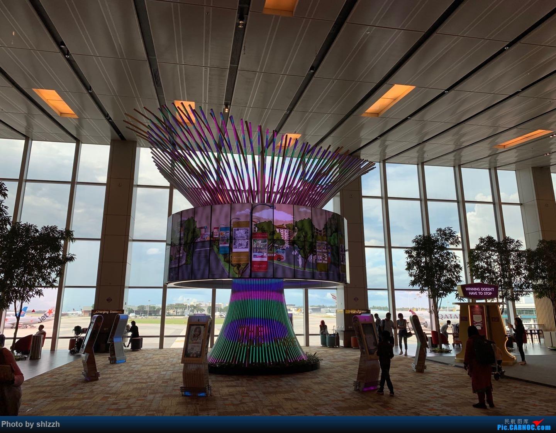 Re:[原创]【南半球蜜月之旅】1st Trip 上海虹桥 -> 广州白云-> 澳大利亚悉尼金斯福德·史密斯    新加坡樟宜机场