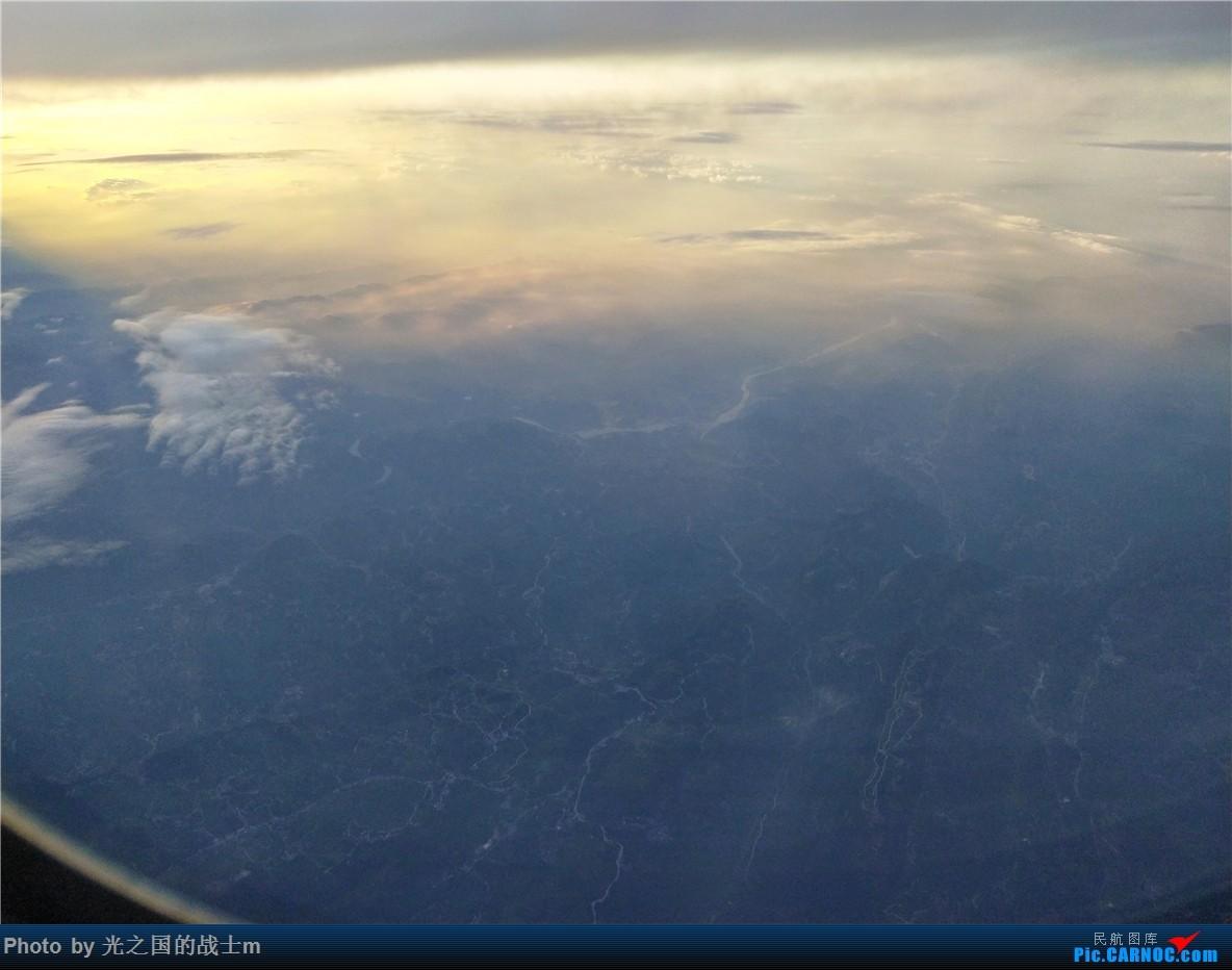 Re:[原创]【光之国m游记】NKG-KMG,乘坐东航33E商务舱回昆,完美的飞行体验和令人沉醉的云海景色