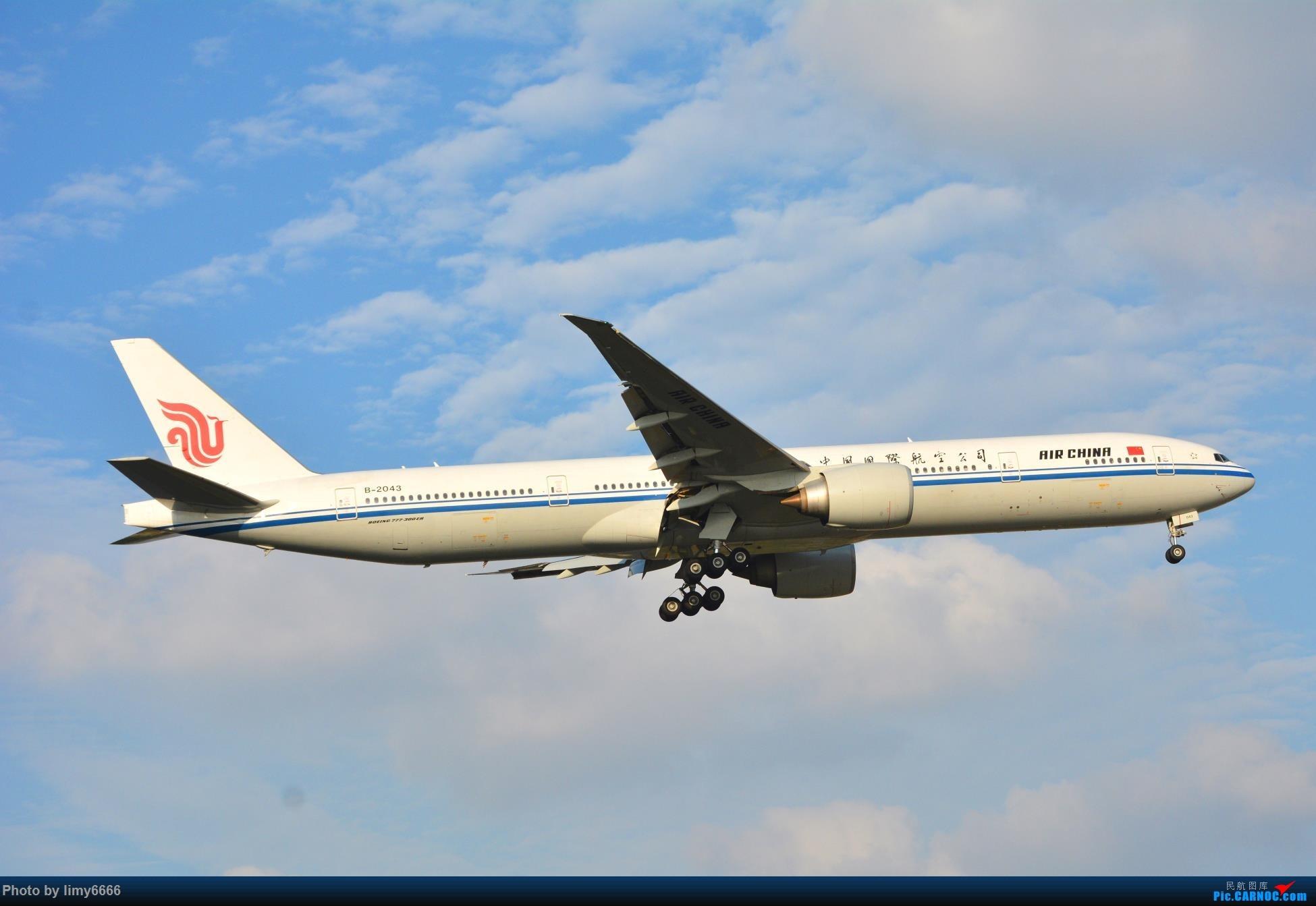 Re:[原创]上海虹桥机场拍机(在贵阳很少见或看不见的) BOEING 777-300ER B-2043 中国上海虹桥国际机场