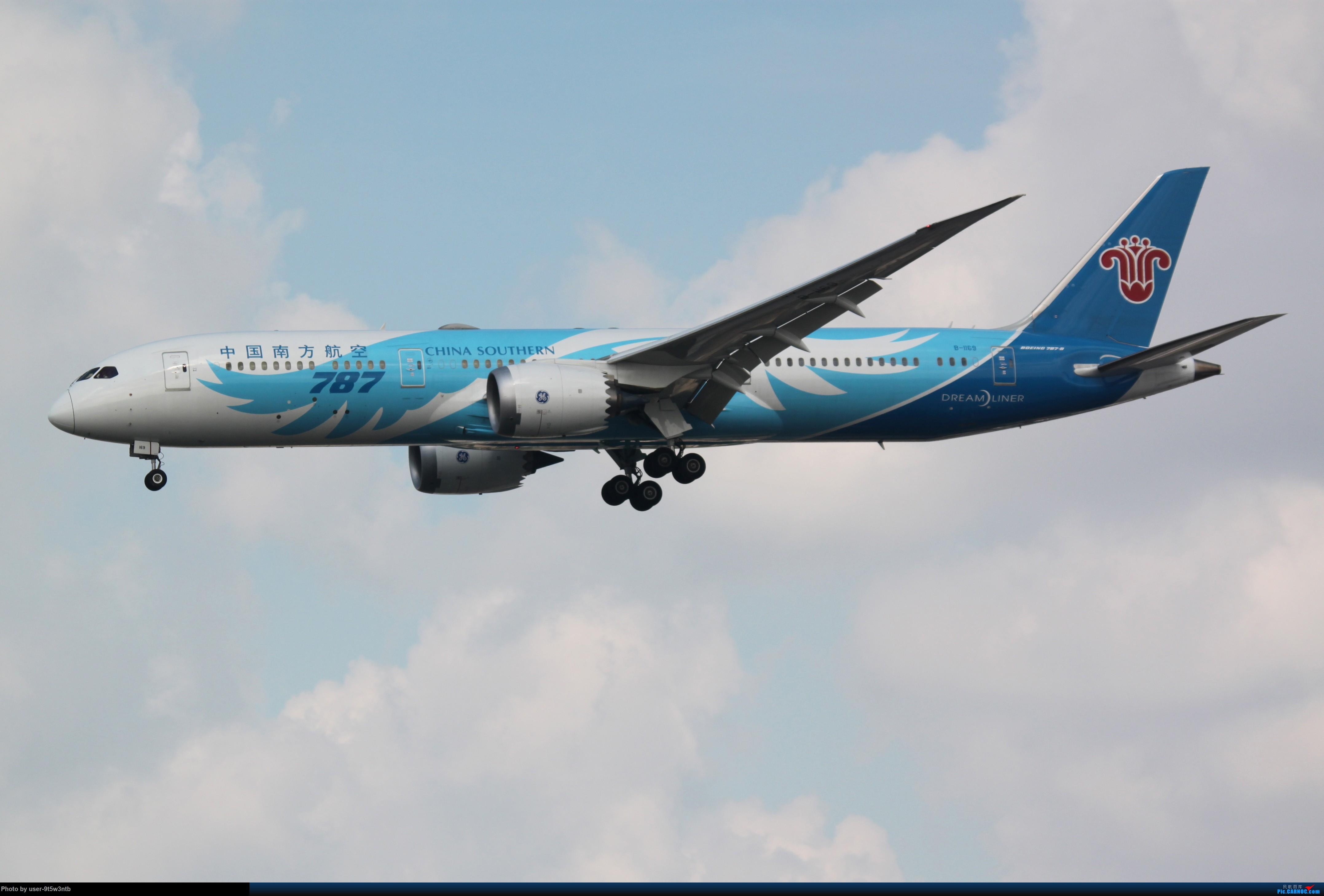 Re:[原创]虹桥机场炎热的早晨 BOEING 787-9 B-1169 中国上海虹桥国际机场