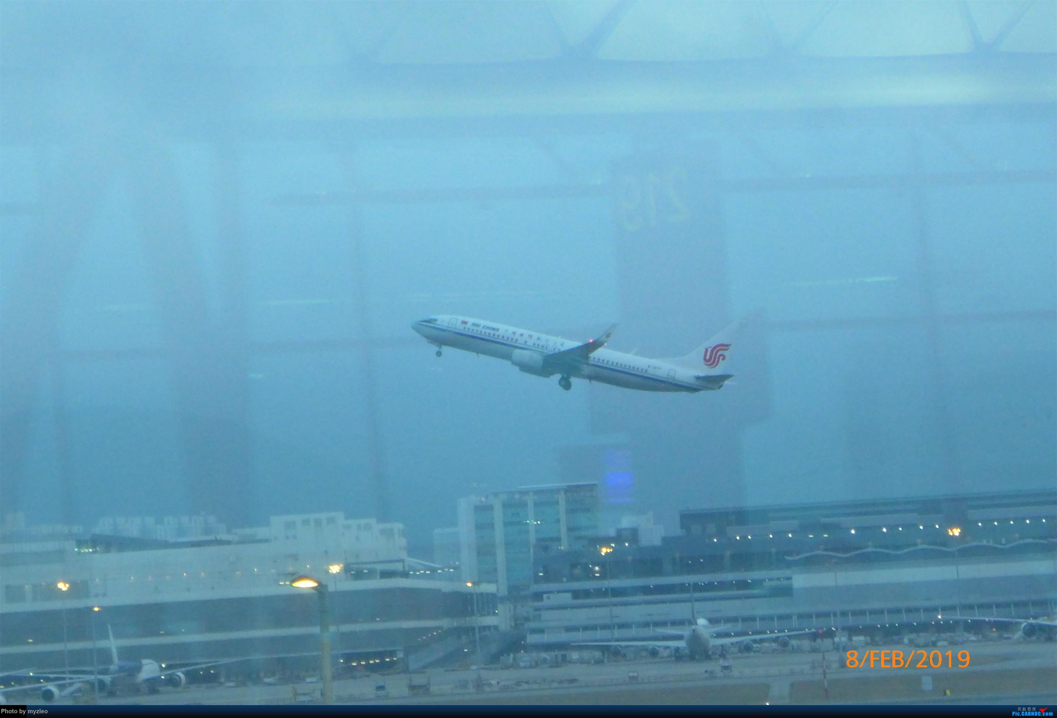 Re:[原创]【myzleo的游记4.5】十年之约(5)在香港的最后一天,搭乘港航333回沪 BOEING 737-800 B-1977 中国香港国际机场