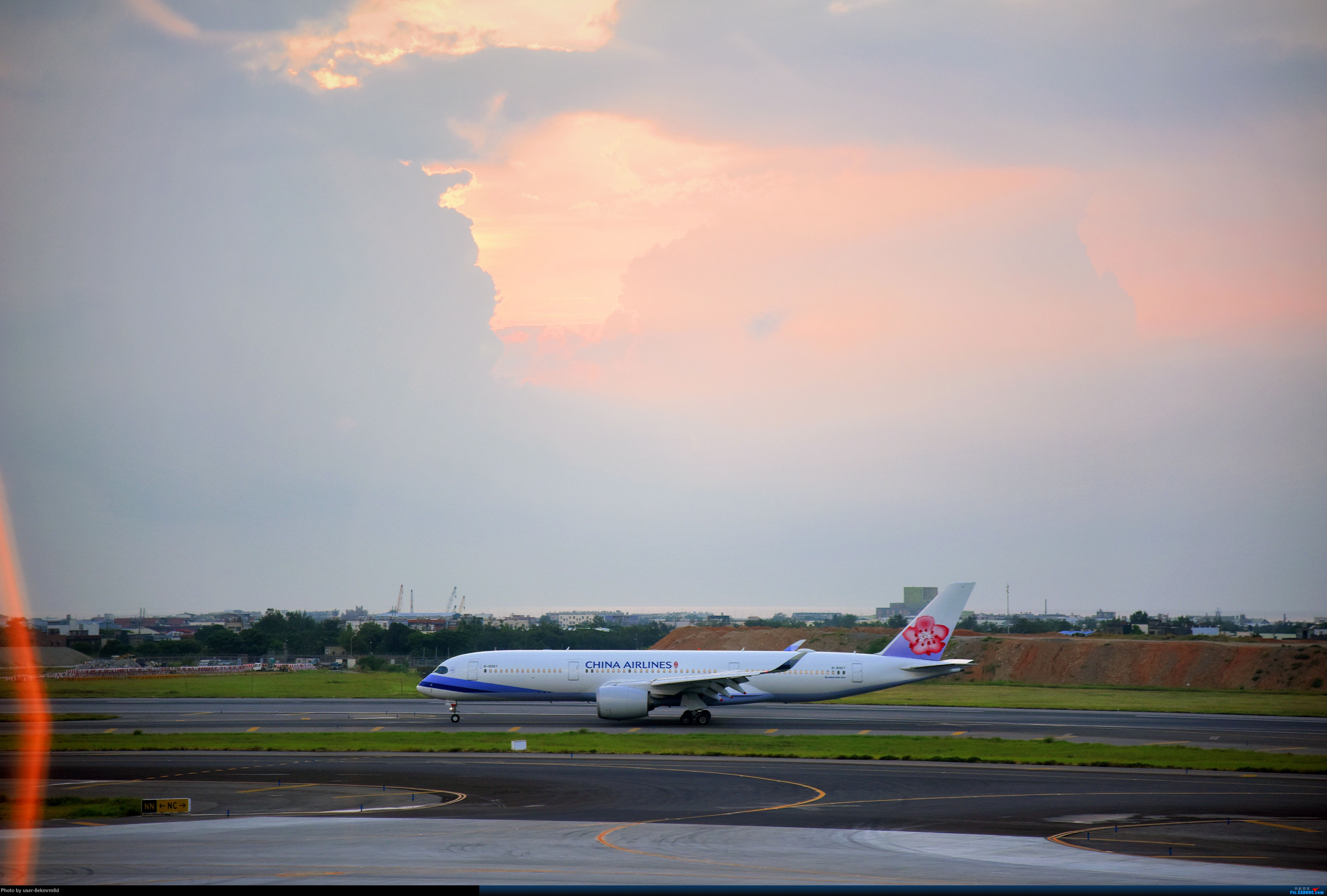 Re:[原创]台北(TSA、TPE)拍机分享 AIRBUS A350-900 B-18907 台湾桃园国际机场