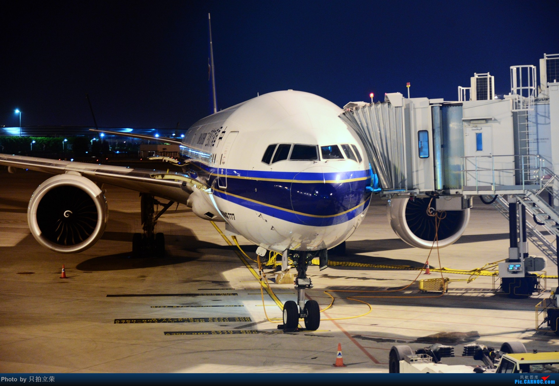 Re:[原创]湖南飞友会:只拍立荣回归。马来之旅航站楼杂图一堆。 BOEING 777-300ER