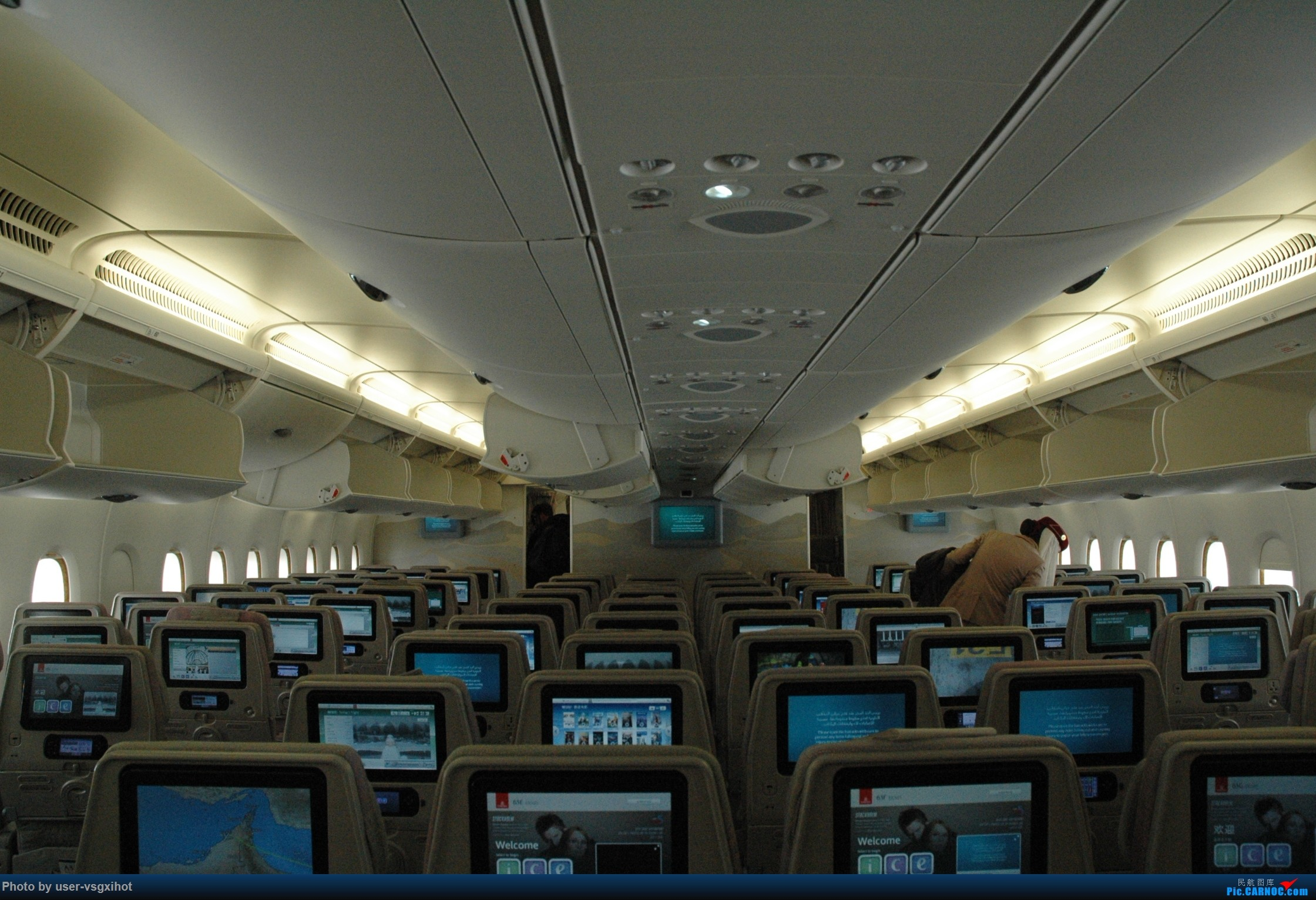 Re:[原创]【Hans游记(6)出埃及记】(PART 1)经阿航转机初识埃及,40度高温下の开罗一日游 AIRBUS A380-800  迪拜国际机场