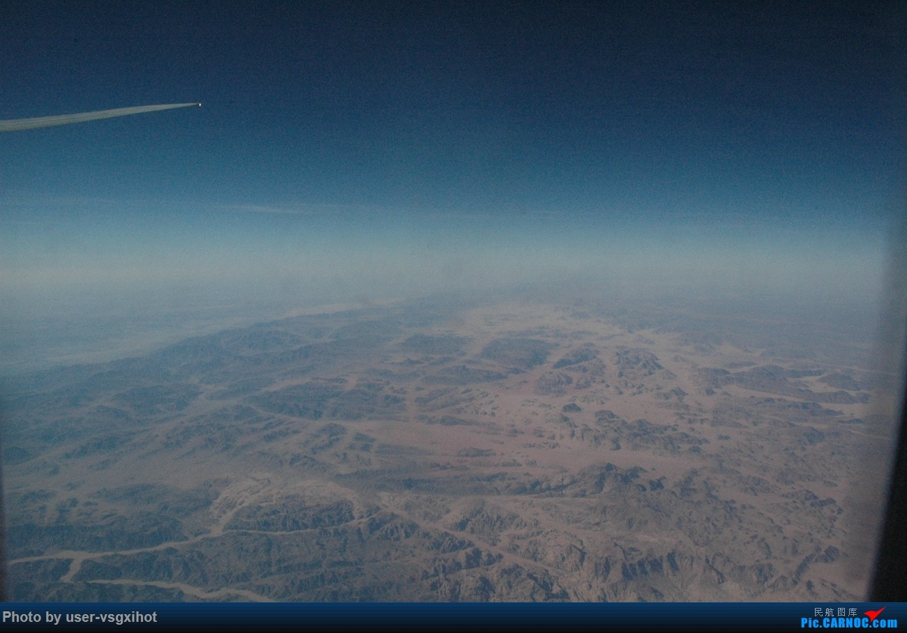 Re:[原创]【Hans游记(6)出埃及记】(PART 1)经阿航转机初识埃及,40度高温下の开罗一日游 BOEING 777-300ER  空中