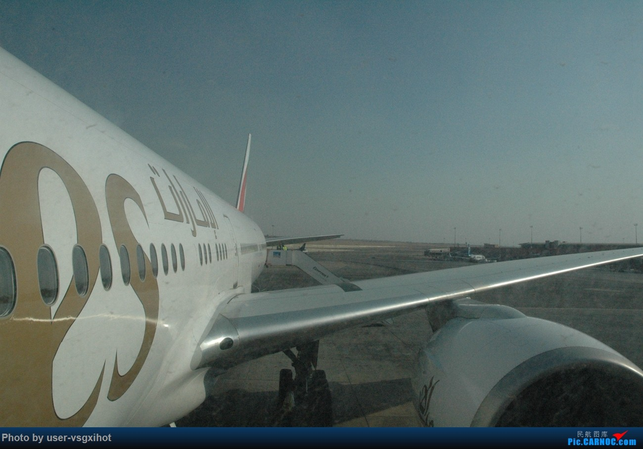 Re:Re:[原创]【Hans游记(6)出埃及记】(PART 1)经阿航转机初识埃及,40度高温下の开罗一日游    埃及开罗国际机场