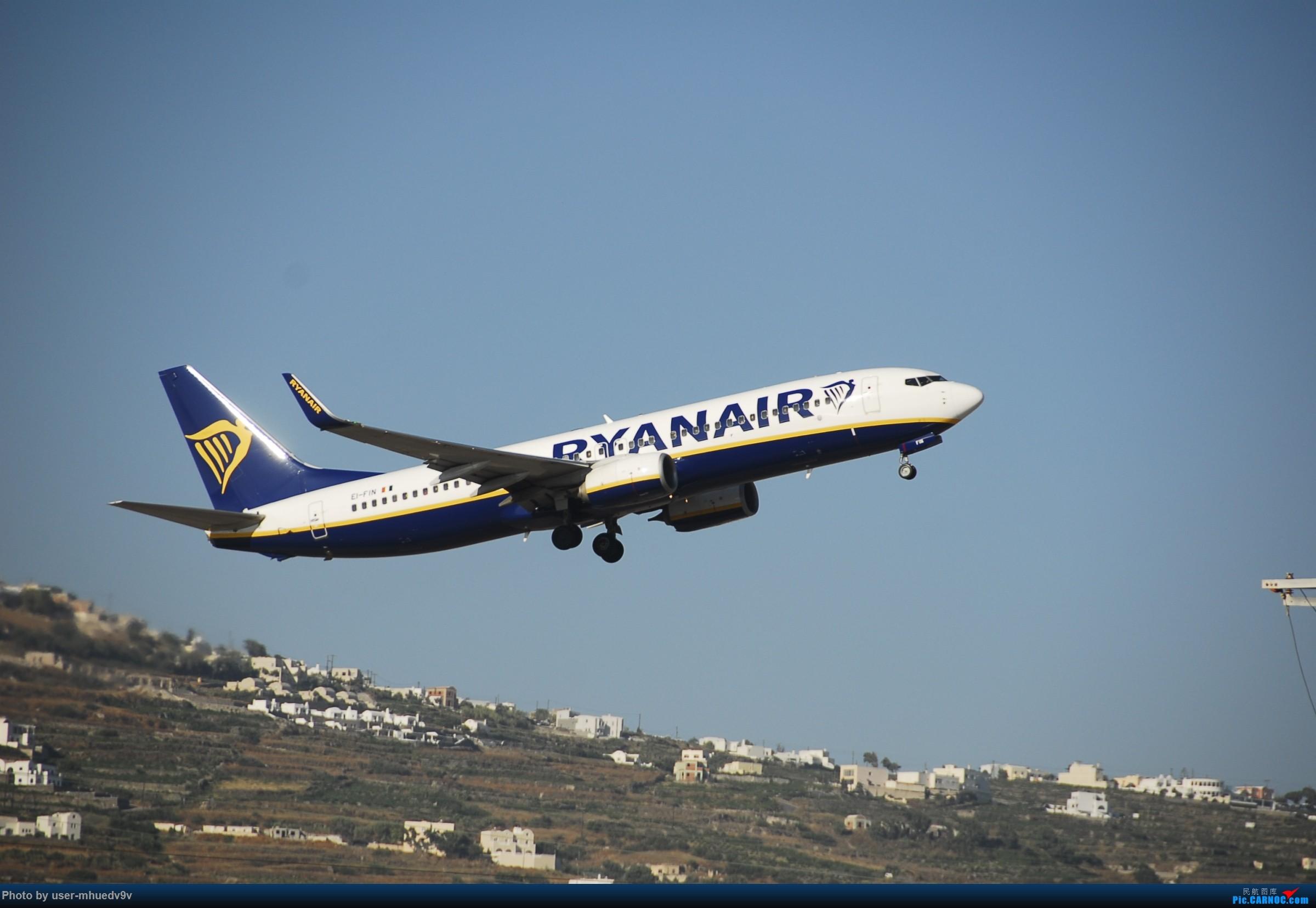 Re:[原创]暑假旅拍(旅途中拍机。。。) BOEING 737-800 EI-FIN 希腊圣托里尼机场