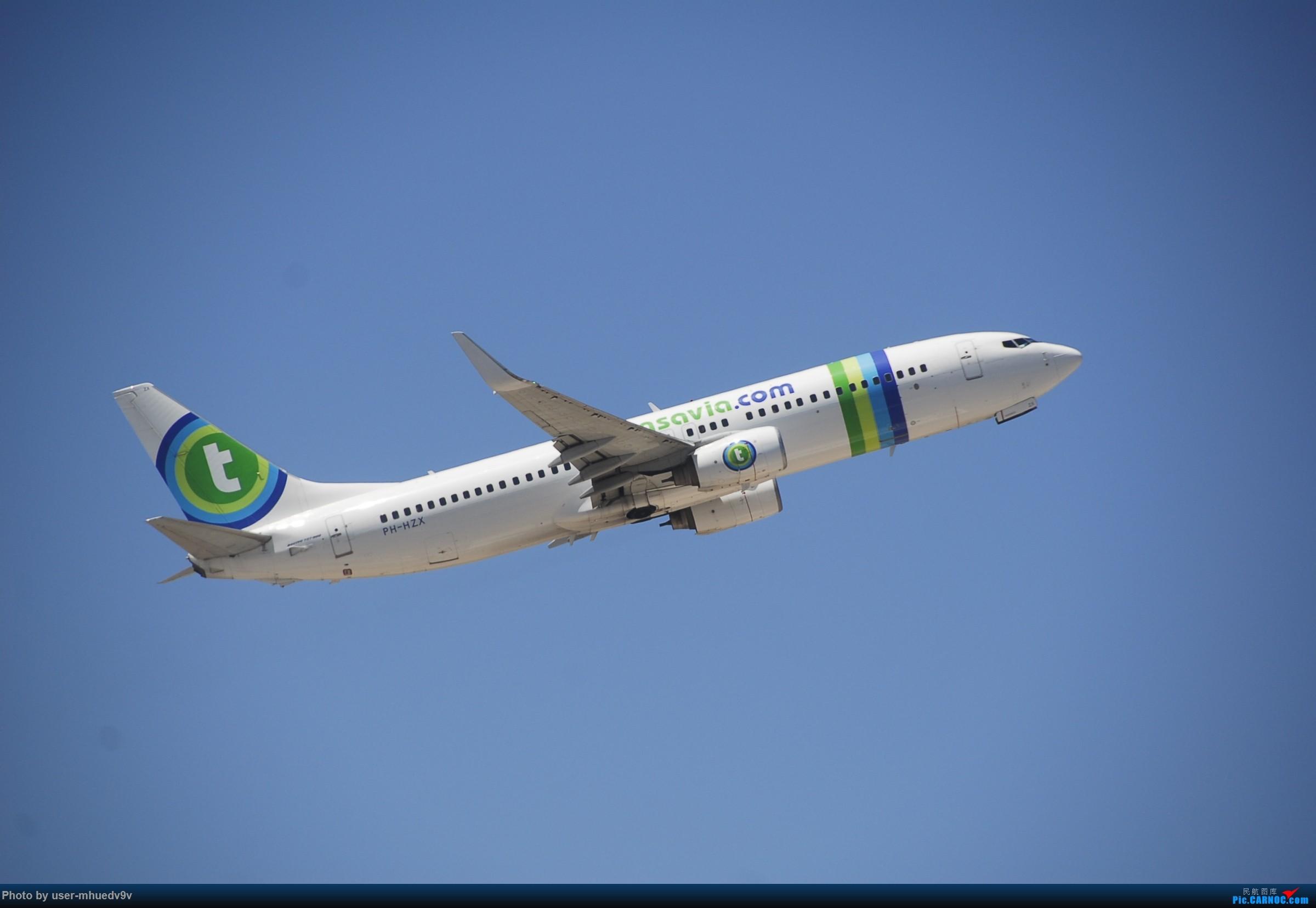 Re:[原创]暑假旅拍(旅途中拍机。。。) BOEING 737-800 PH-HZX 希腊圣托里尼机场