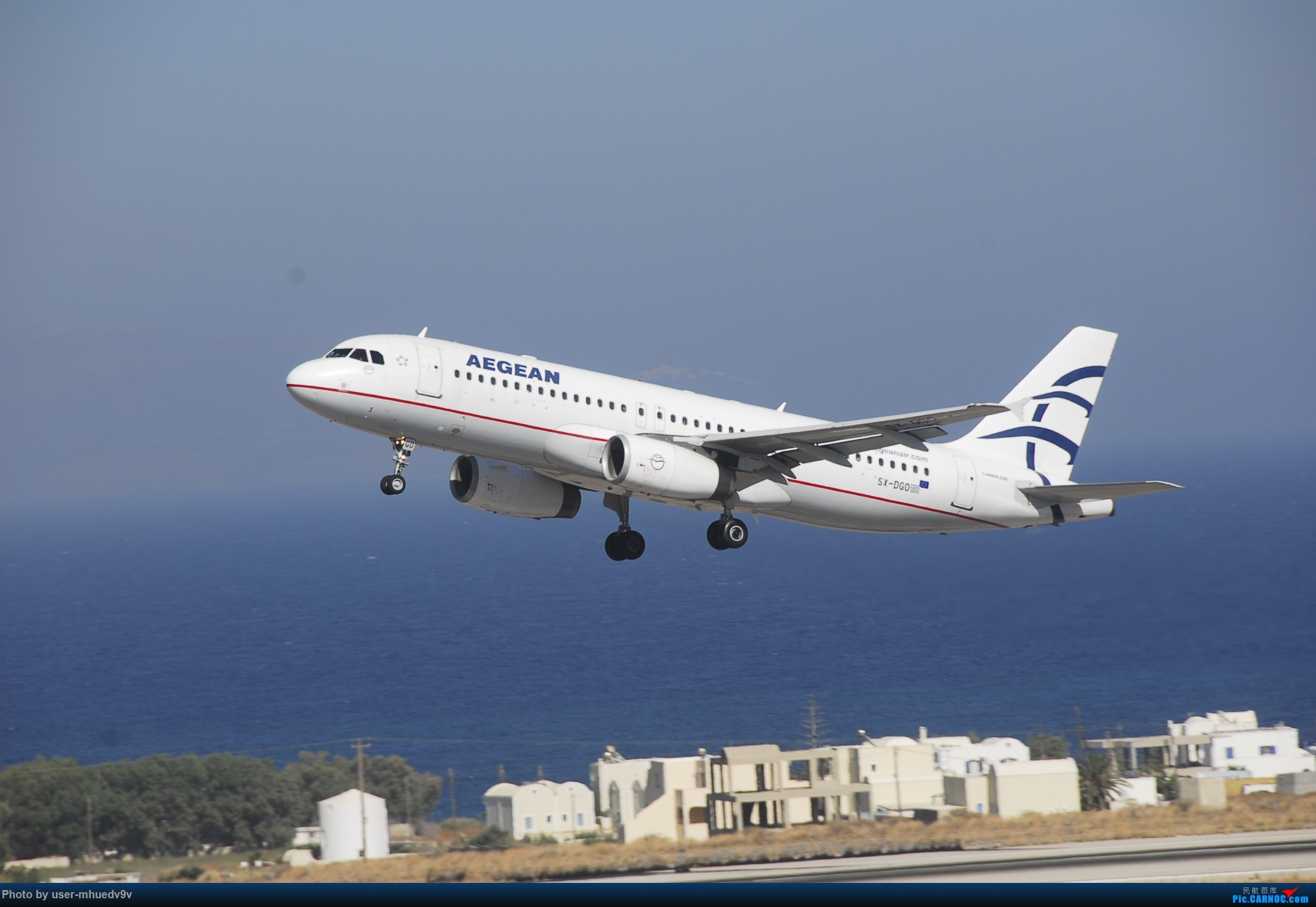 Re:[原创]暑假旅拍(旅途中拍机。。。) AIRBUS A320-200 SX-DGO 希腊圣托里尼机场