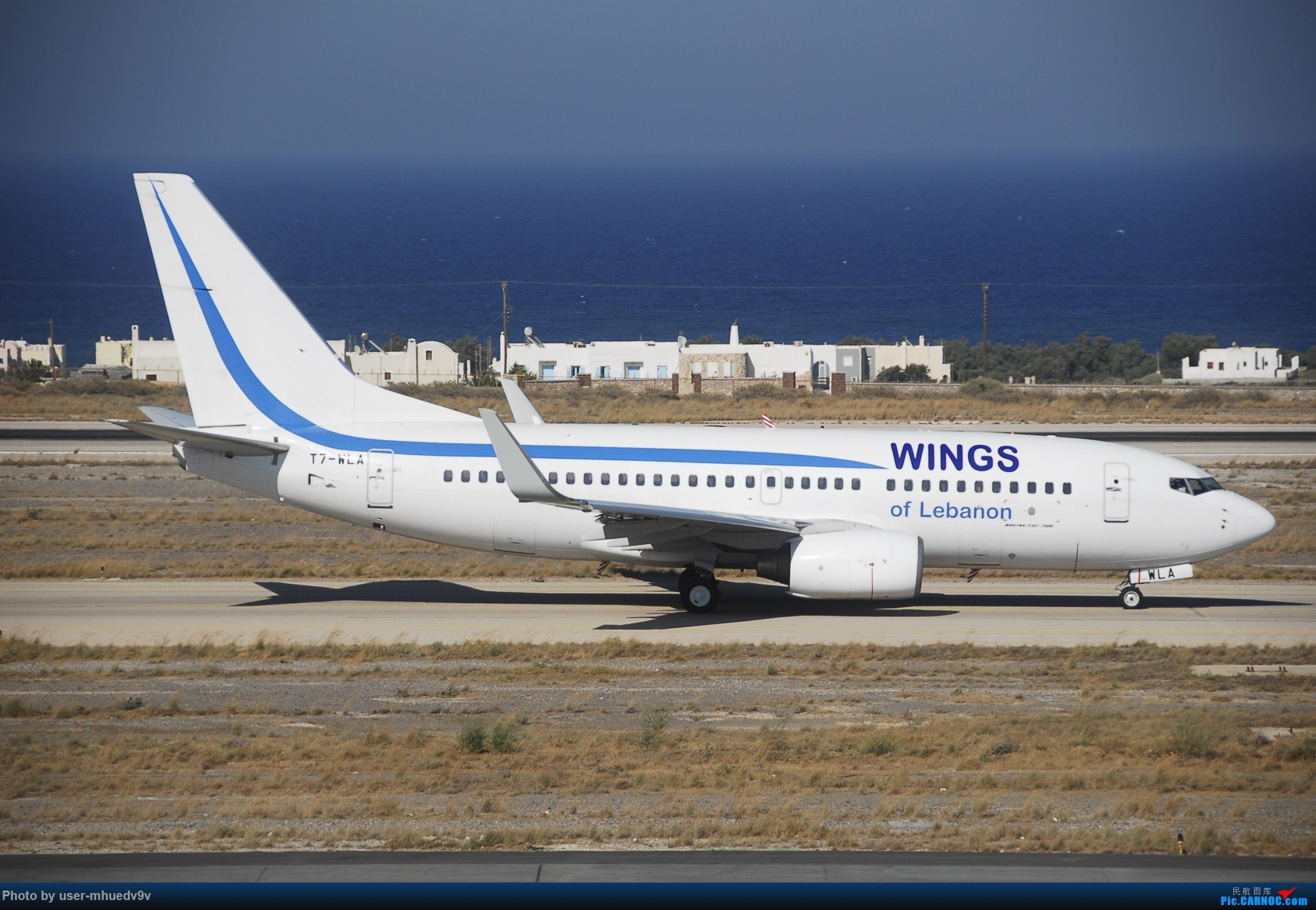 Re:[原创]暑假旅拍(旅途中拍机。。。) BOEING 737-700 T7-WLA 希腊圣托里尼机场