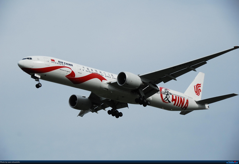 Re:[原创]暑假旅拍(旅途中拍机。。。) BOEING 777-300ER B-2006 中国北京首都国际机场