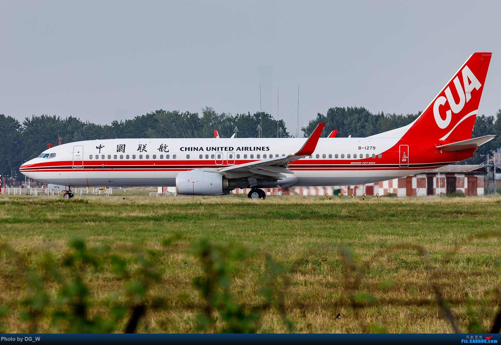 Re:[原创]【南宁飞友】NAY的最后一个周末,以及拍机点越来越少的PEK BOEING 737-800 B-1279 中国北京南苑机场