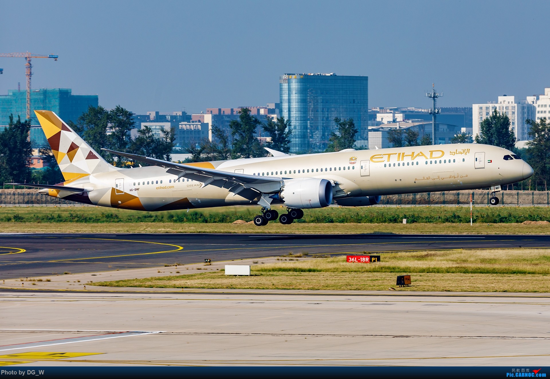Re:[原创]【南宁飞友】NAY的最后一个周末,以及拍机点越来越少的PEK BOEING 787-10 A6-BMF 中国北京首都国际机场