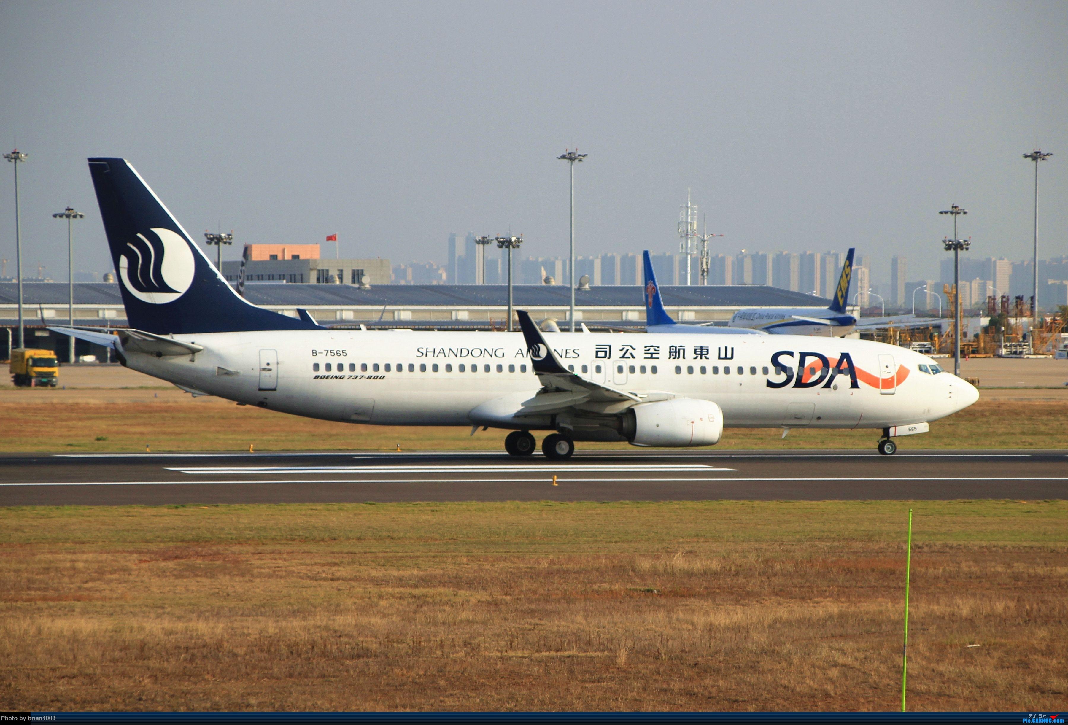 """Re:[原创]WUH武汉天河机场拍机之""""彩蛋""""满满的十月(更新至10月27日的763) BOEING 737-800 B-7565 中国武汉天河国际机场"""