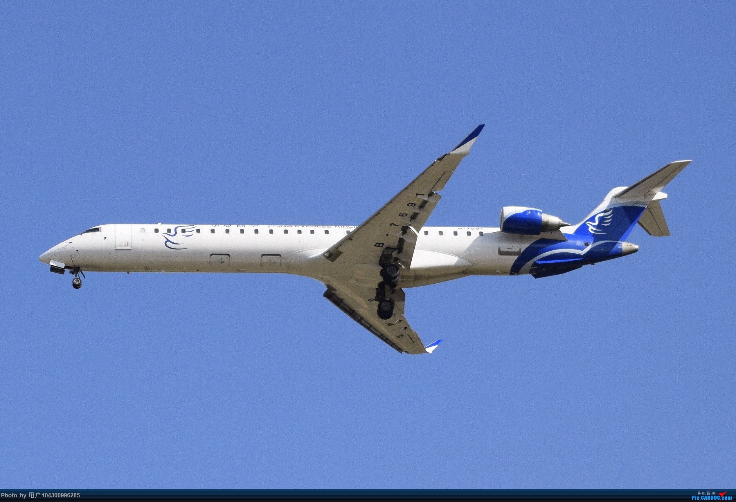 Re:[原创]大雾以后KWE降落高峰,偶遇多彩贵州航空A320neo BOMBARDIER CRJ900NG B-7691 中国贵阳龙洞堡国际机场