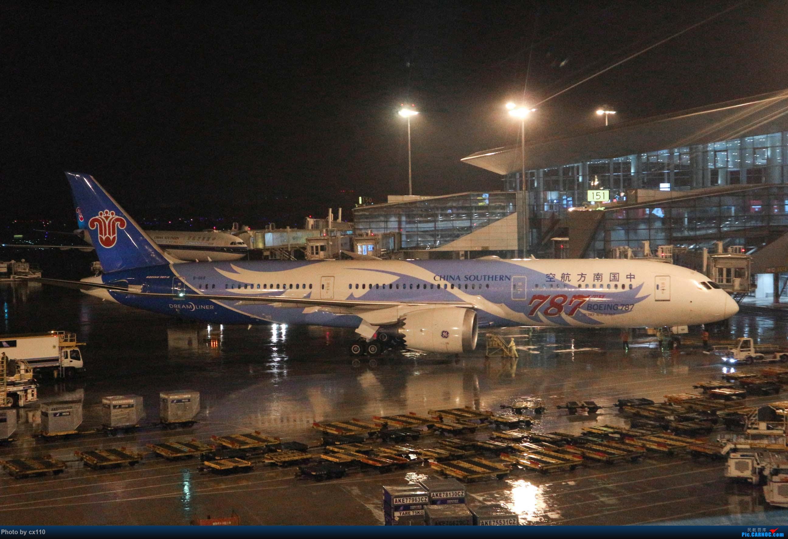 [原创]欧洲机场拍机记-柏林/赫尔辛基/布拉格 BOEING 787-9 B-1168 中国广州白云国际机场