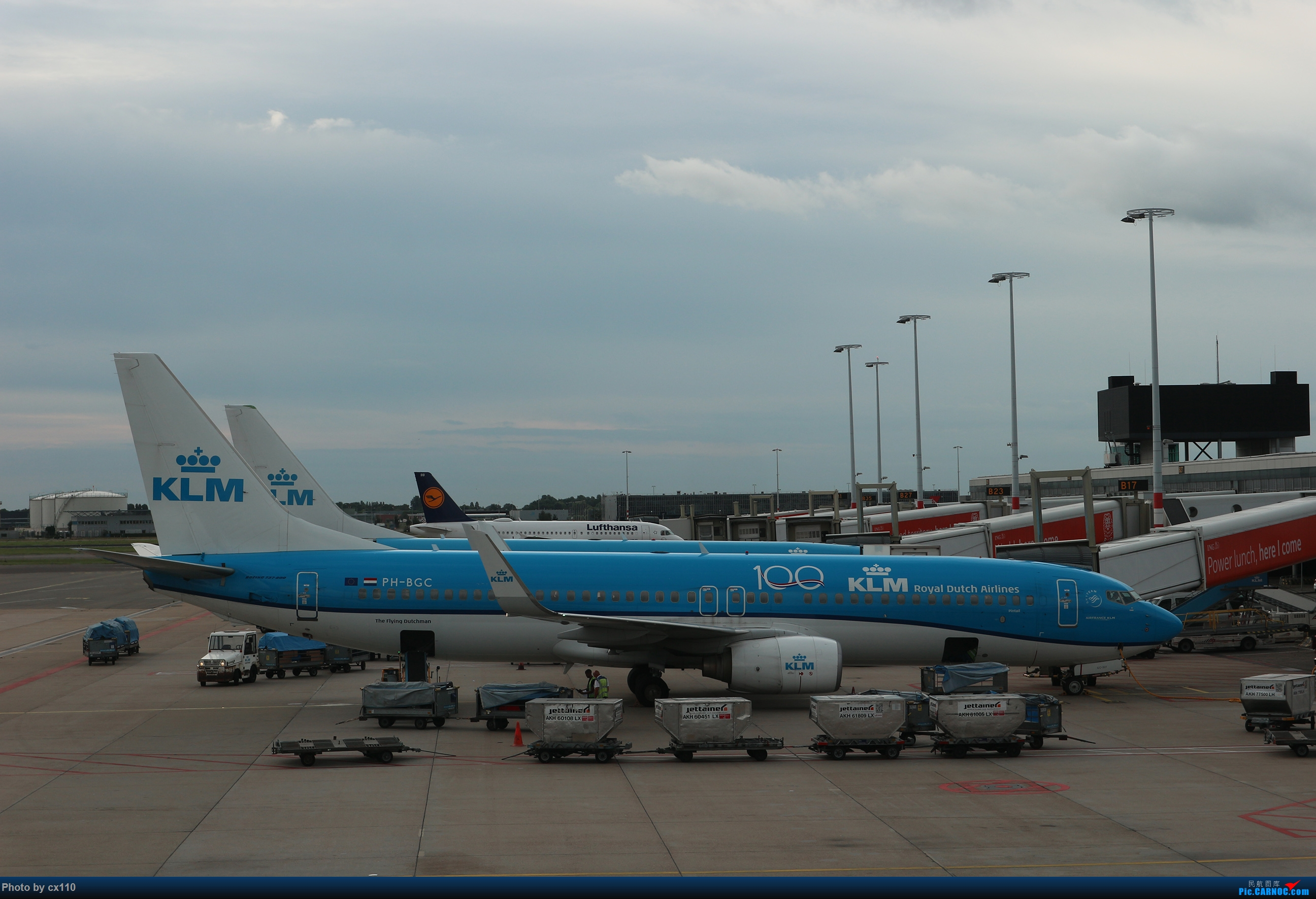 Re:[原创]欧洲机场拍机记-柏林/赫尔辛基/布拉格 BOEING 737-800 PH-BGC 荷兰阿姆斯特丹史基浦机场