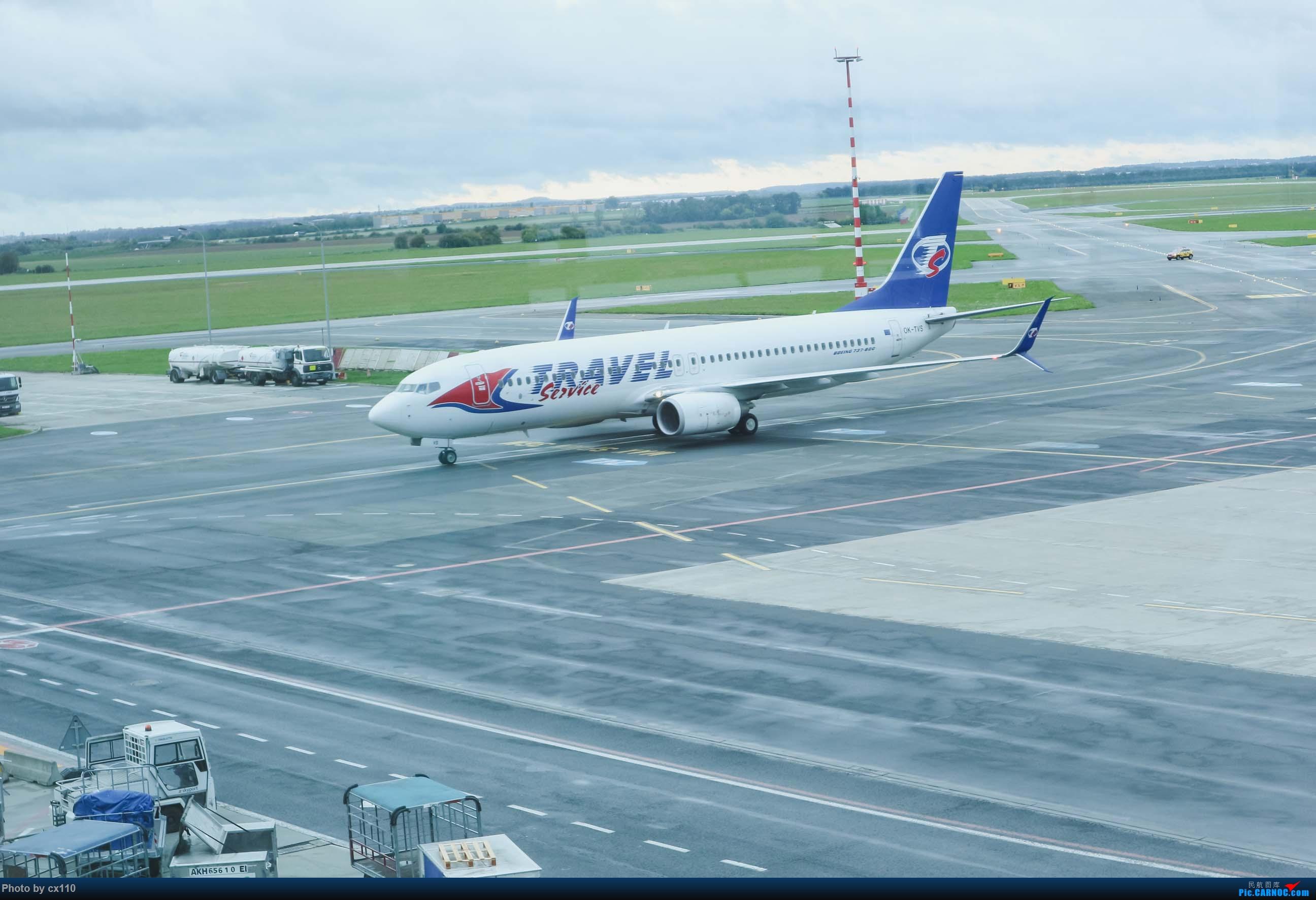 Re:[原创]欧洲机场拍机记-柏林/赫尔辛基/布拉格 BOEING 737-800 OK-TVS 捷克布拉格机场