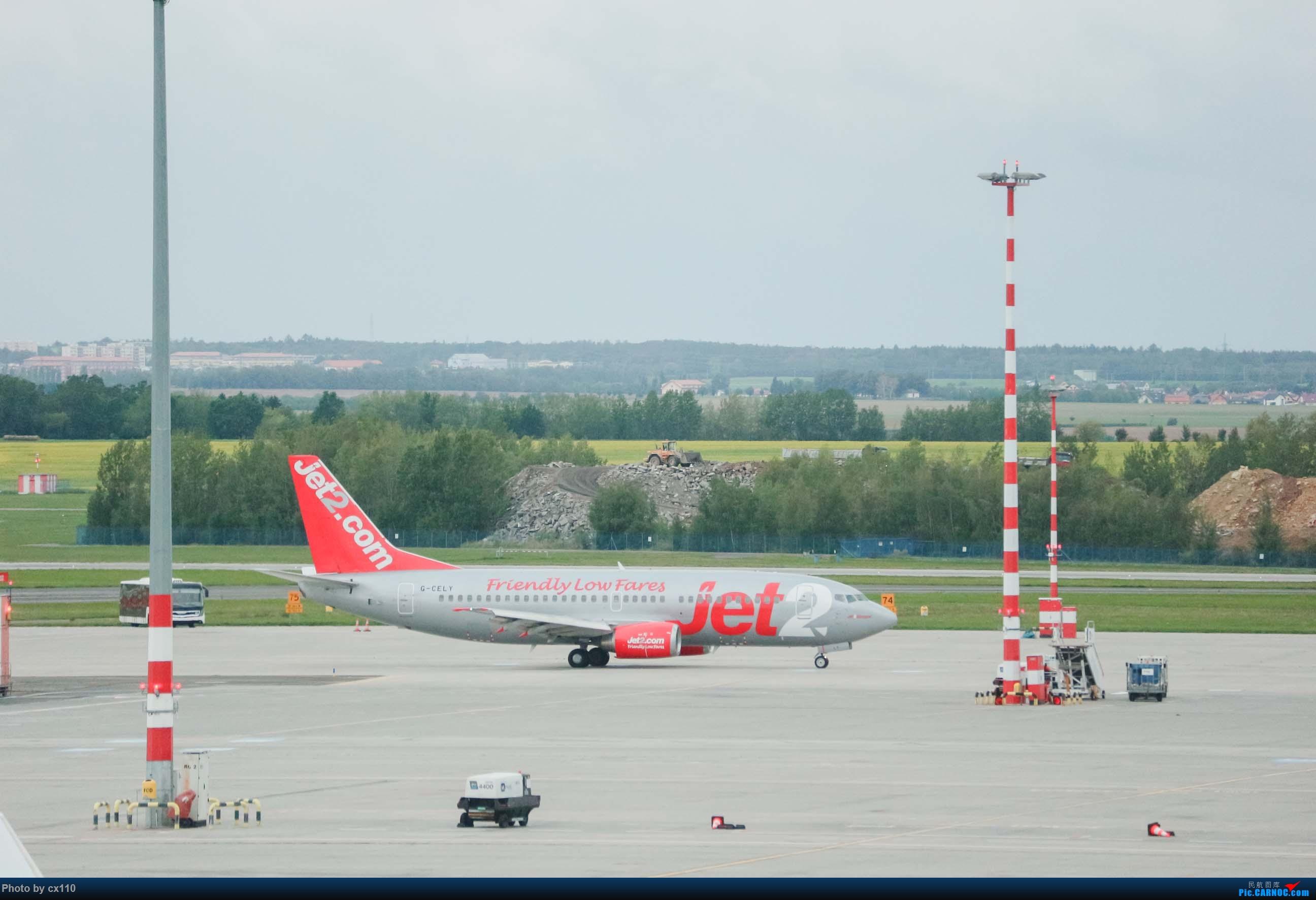 Re:[原创]欧洲机场拍机记-柏林/赫尔辛基/布拉格 BOEING 737-300 G-CELY 捷克布拉格机场