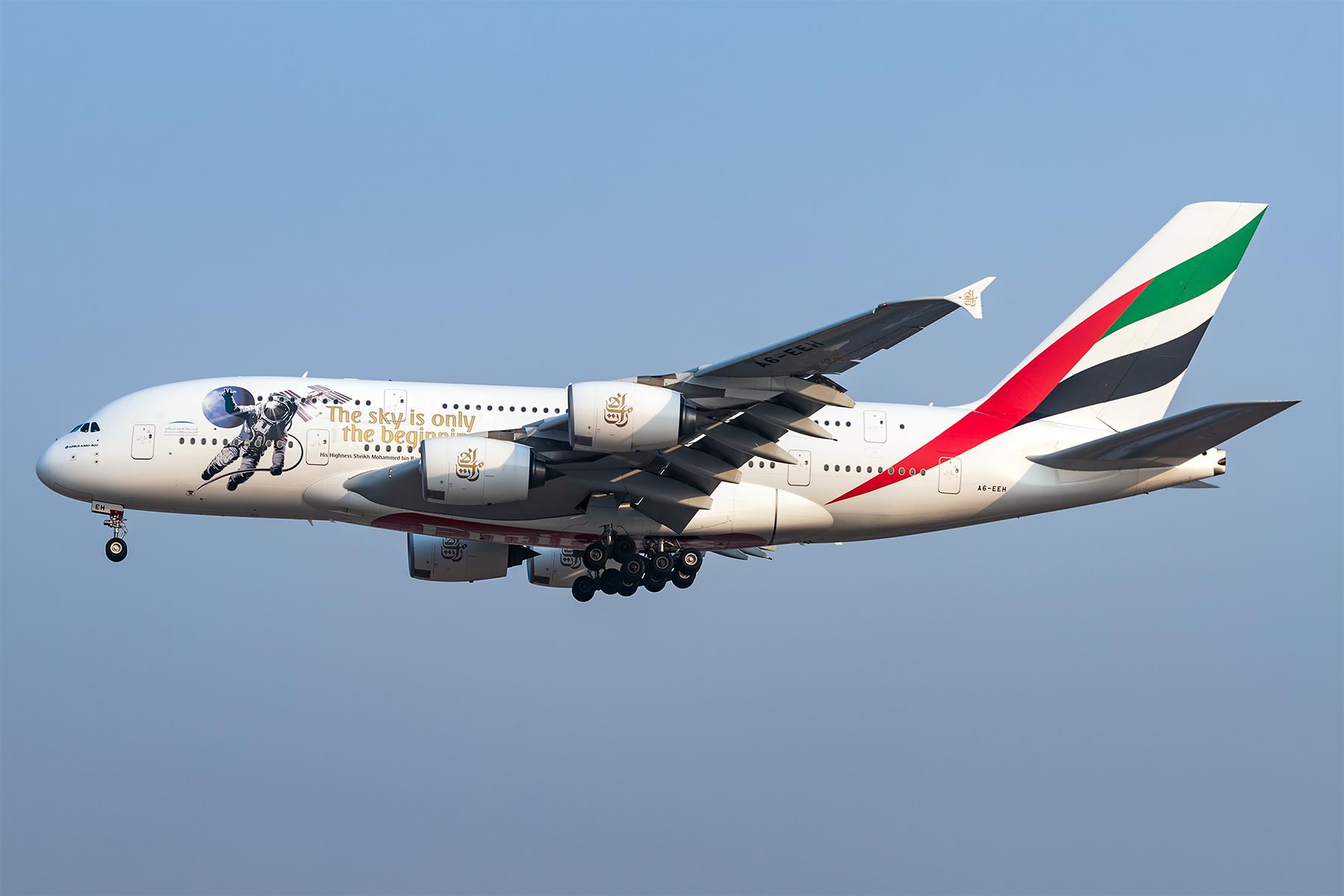 Re:[原创]**两图党**许久不来,提前祝大家新年好! AIRBUS A380-800  中国北京首都国际机场