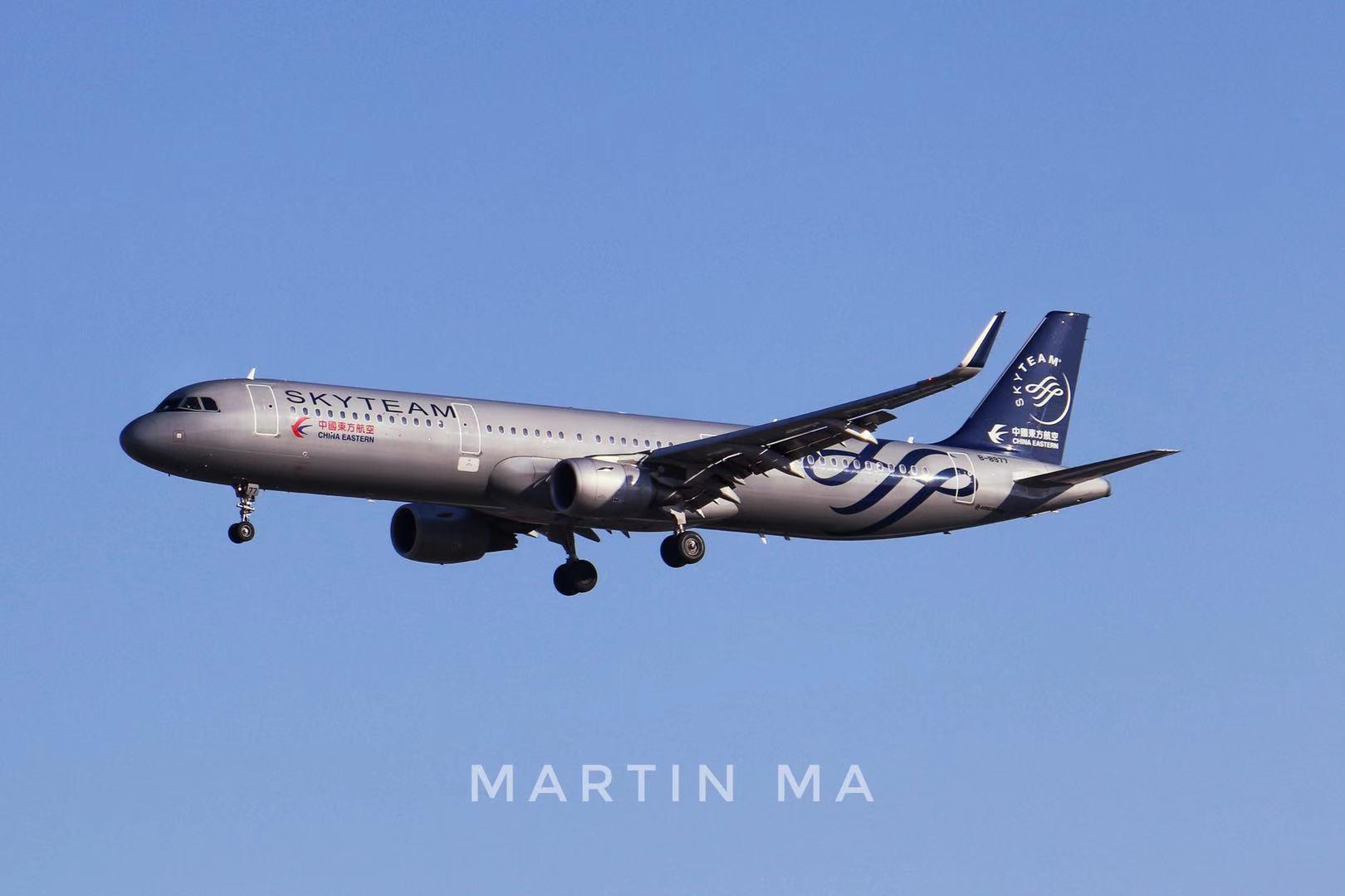 PEK拍机 AIRBUS A321-200 B-8977 中国北京首都国际机场