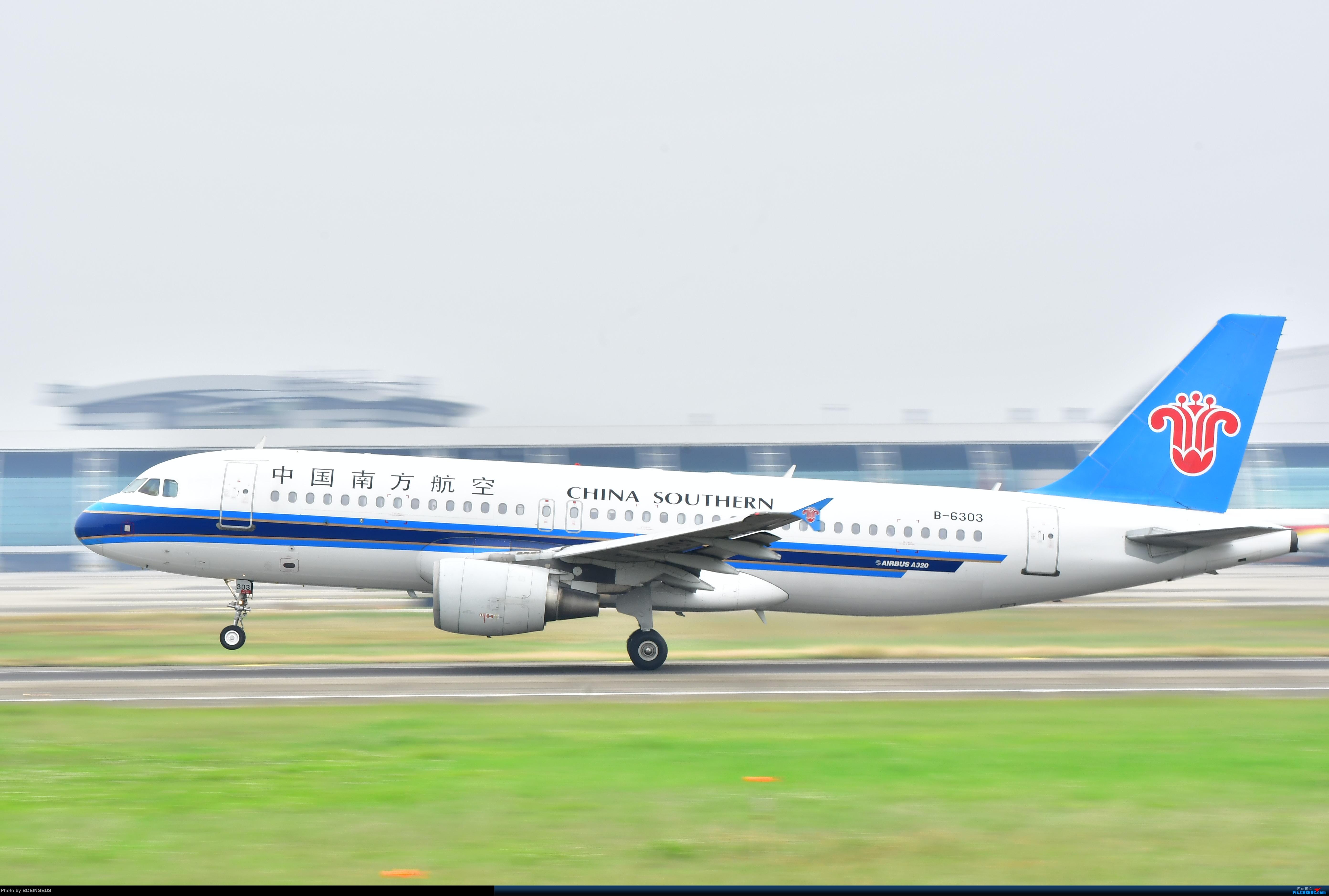 南航A320在广州白云机场01跑道起飞 AIRBUS A320-200 B-6303 中国广州白云国际机场