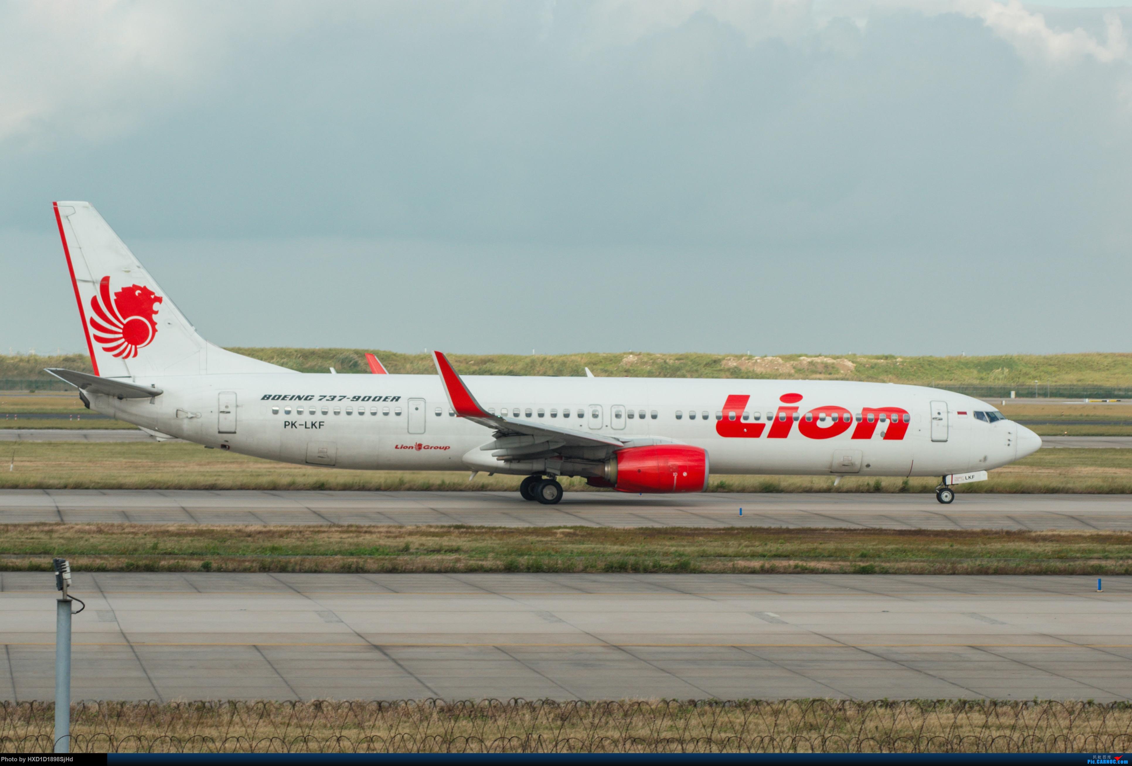 [原创]印尼鹰航737-900ER BOEING 737-900ER PK-LKF 中国上海浦东国际机场