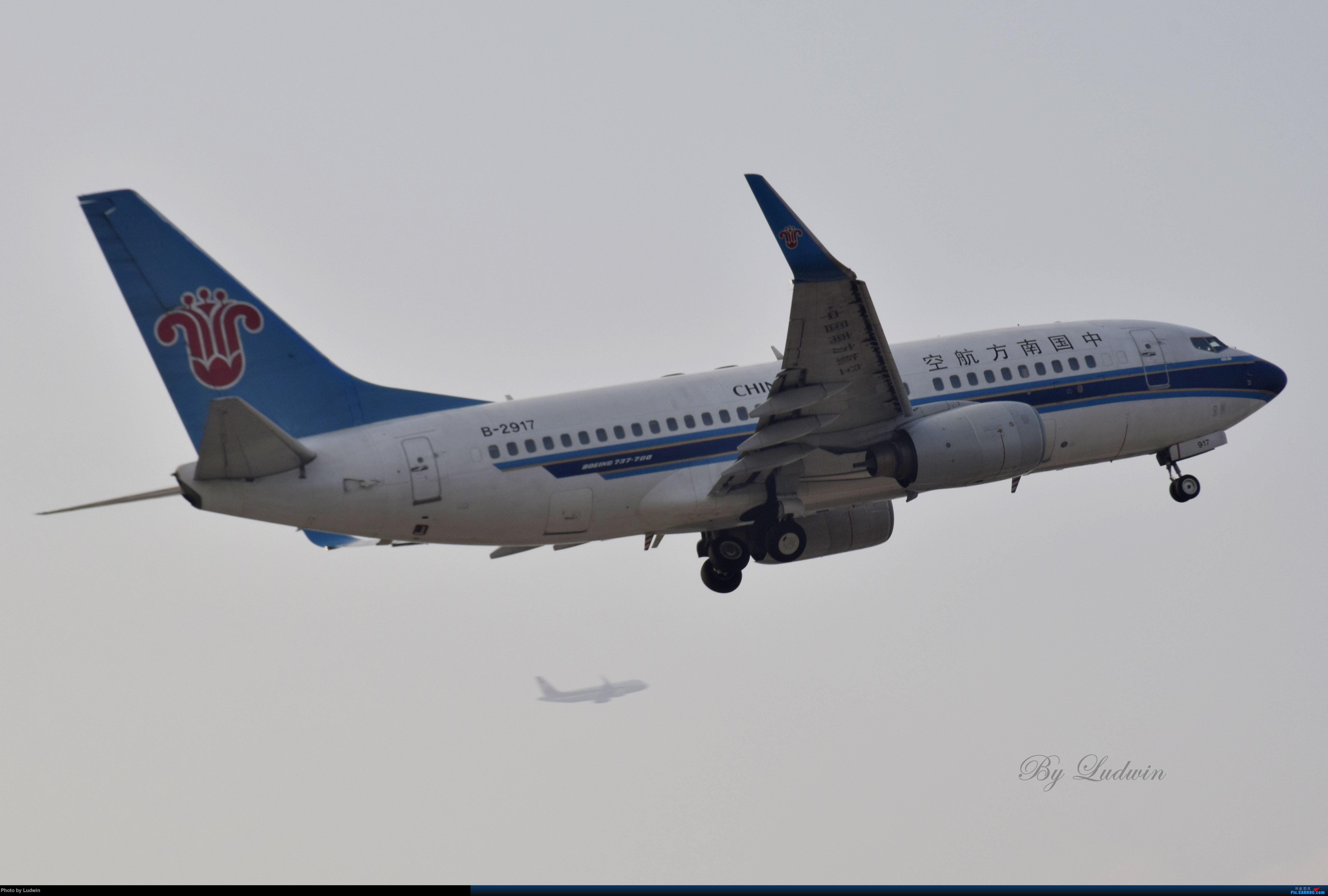 Re:[原创]【新人首发】重庆江北的下午 BOEING 737-700 B-2917 中国重庆江北国际机场